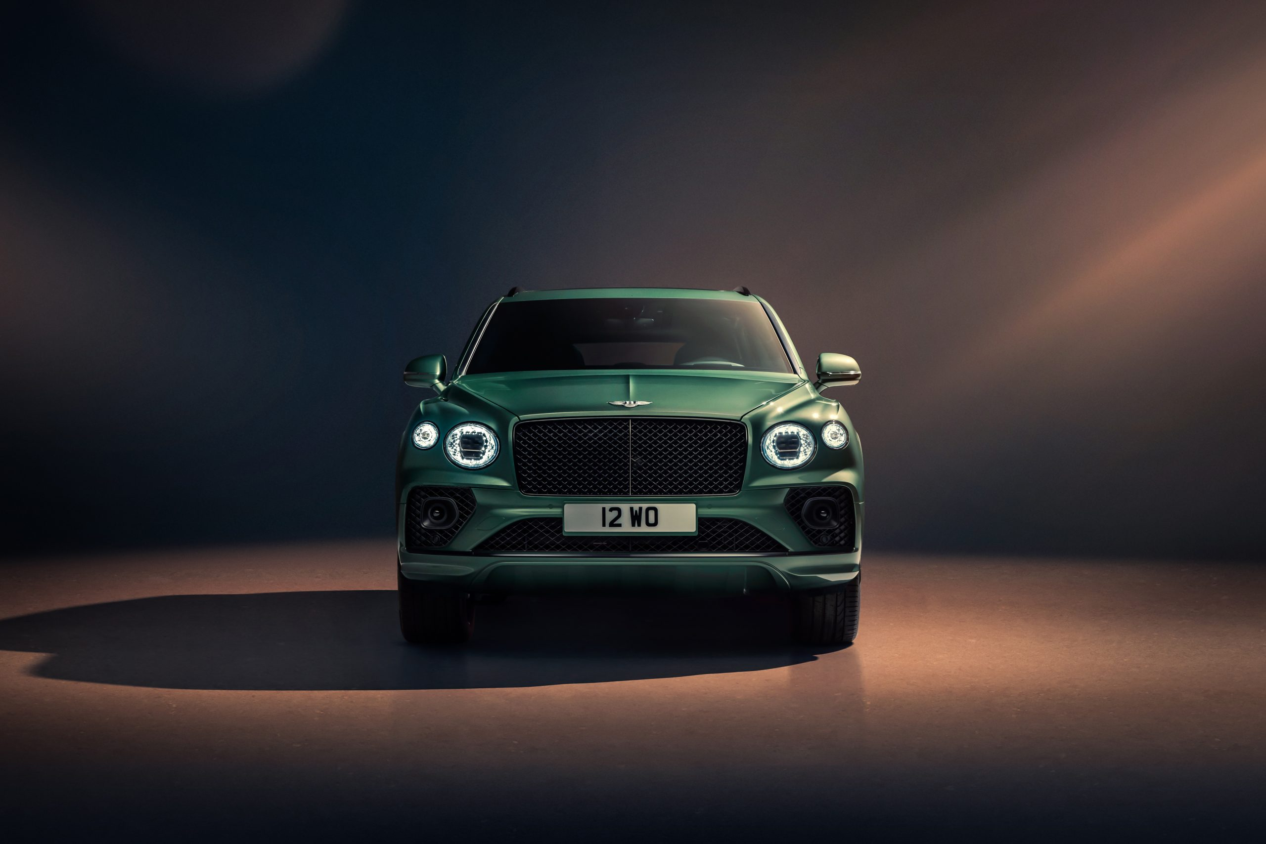 Bentley New Bentayga - Alpine Green - 6