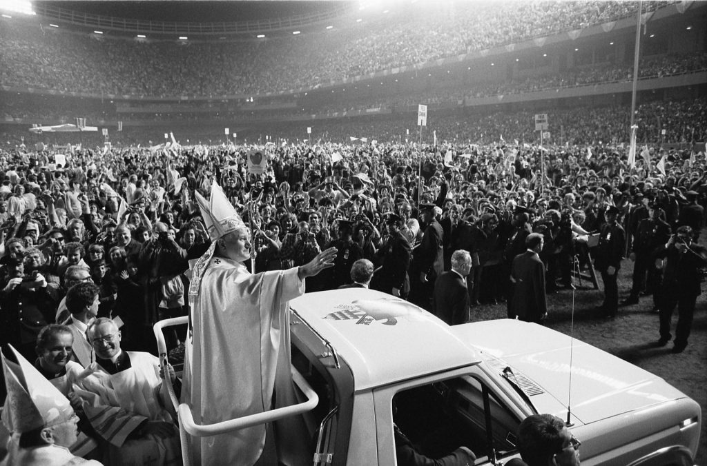 Pope_John_Paul_II_(1979) Ford Bronco_credit Thomas J. O'Halloran