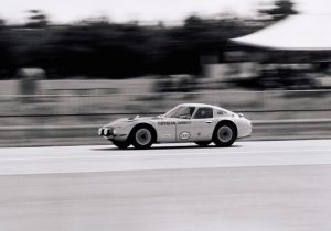 1967-70 Toyota 2000GT - on track
