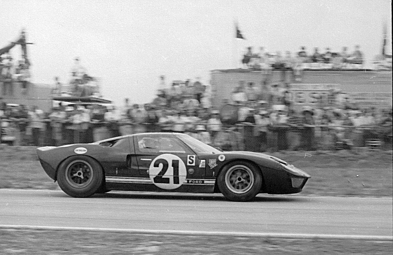 1964 Ford GT40 Prototype GT/105 vintage racing 1960s