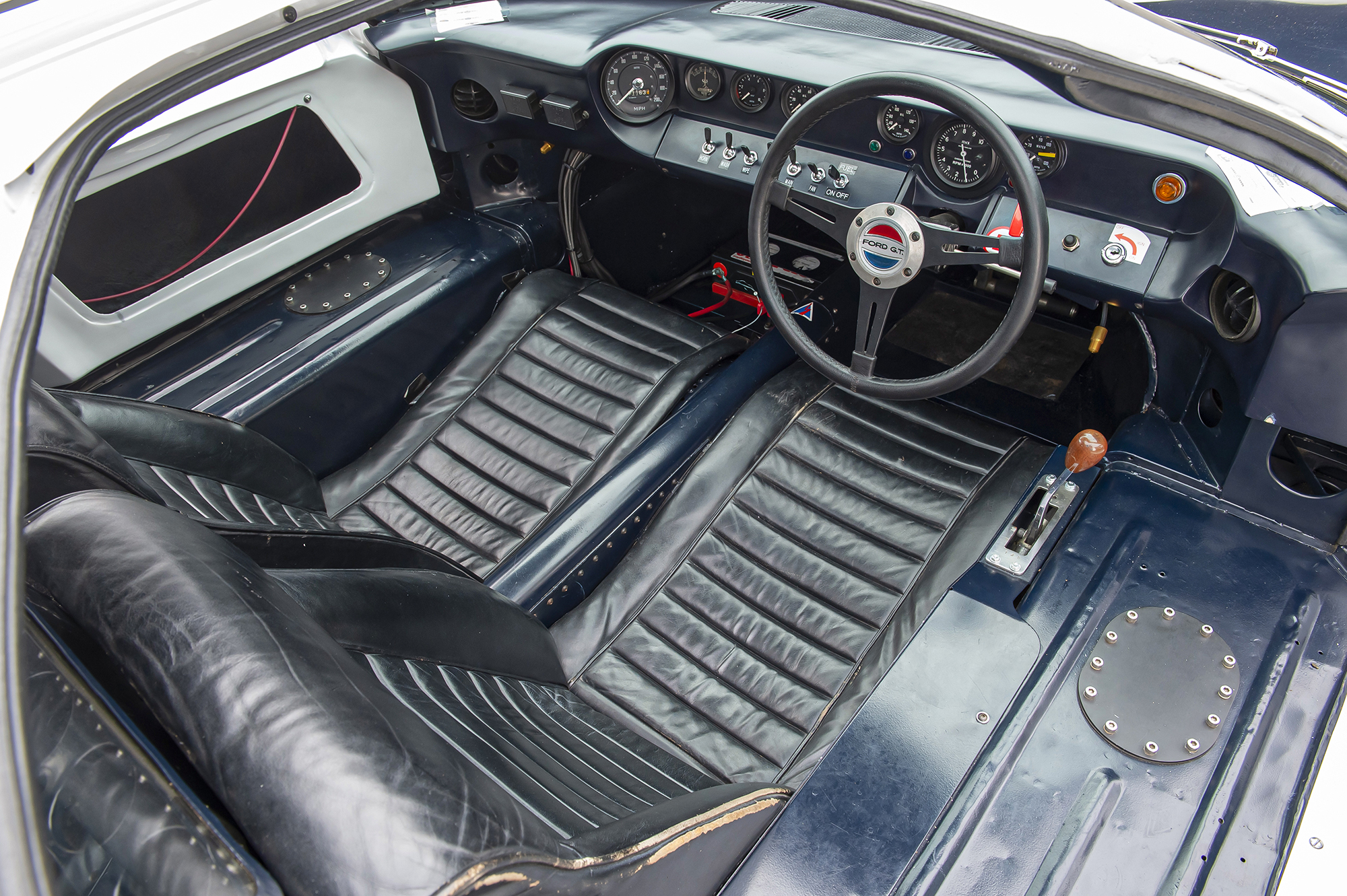1964 Ford GT40 Prototype GT/105 interior
