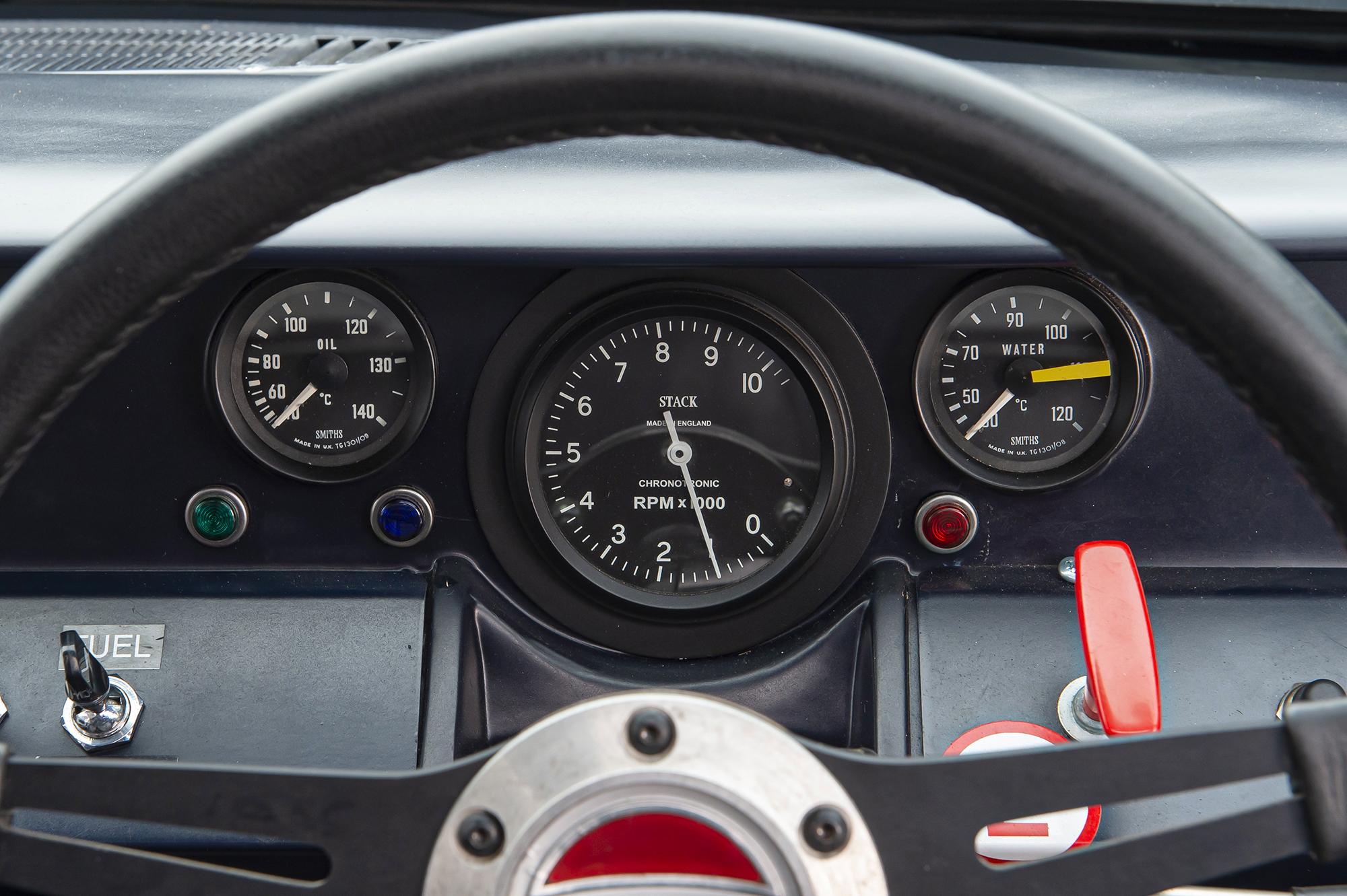 1964 Ford GT40 Prototype GT/105 gauge cluster