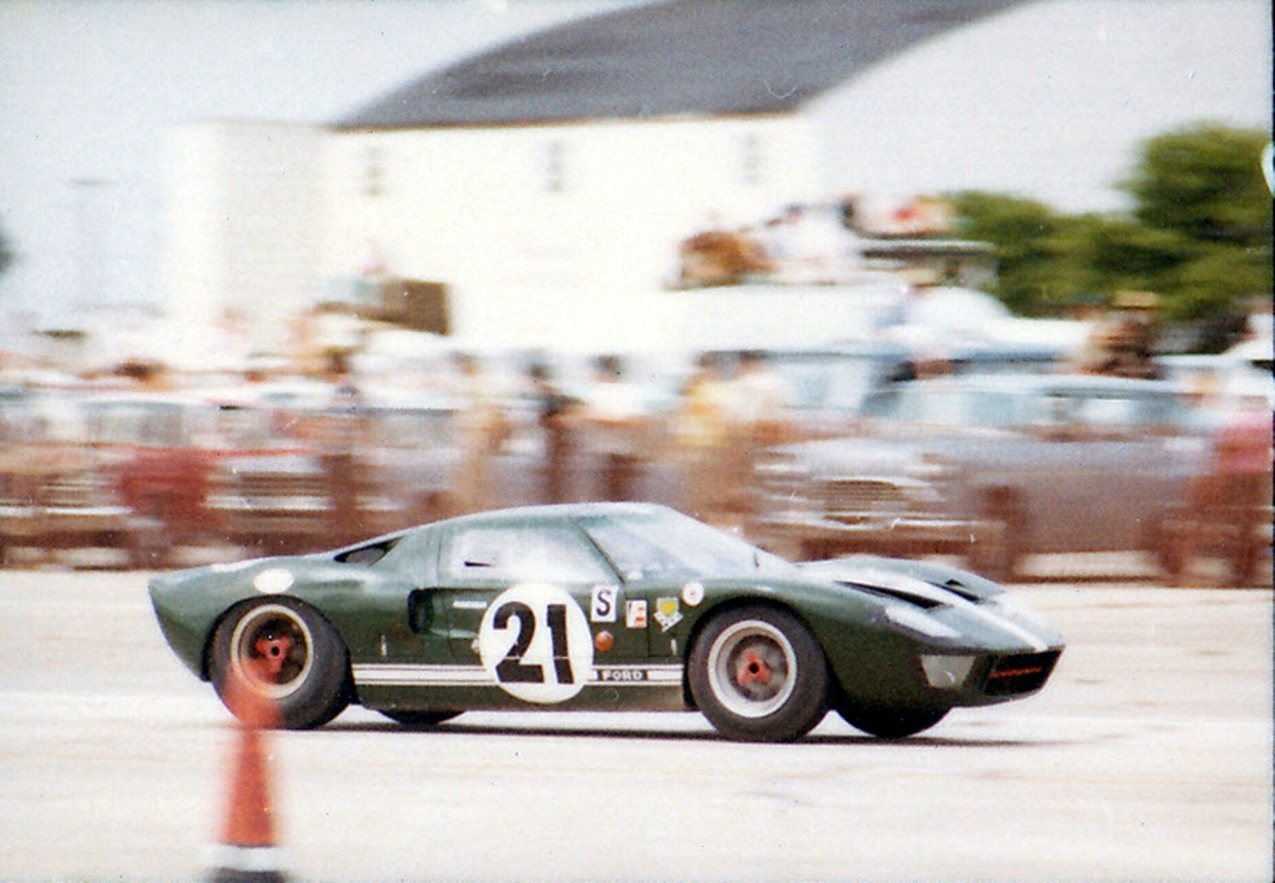 1964 Ford GT40 Prototype GT/105 testing 21