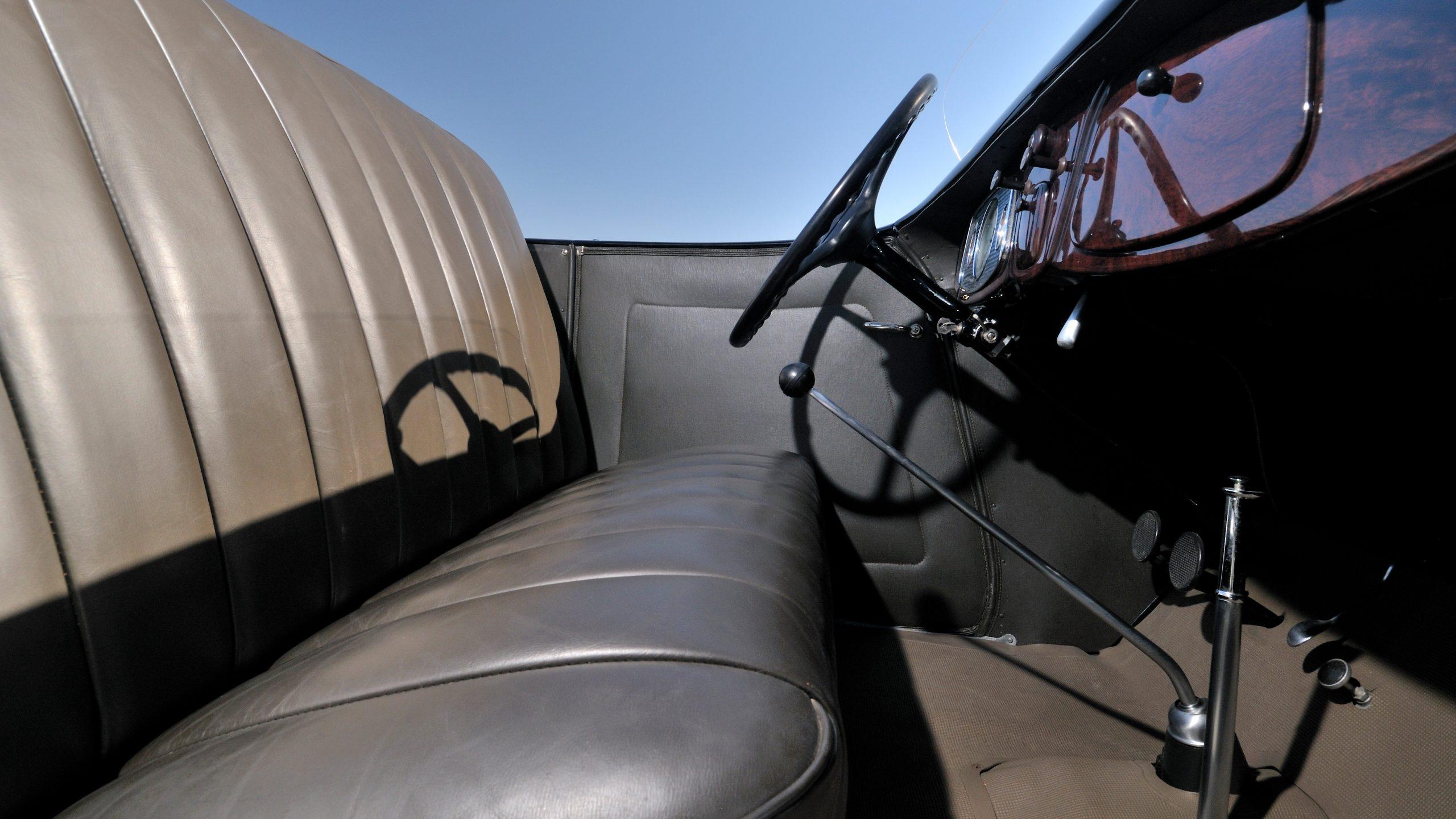 1933 Ford roadster Elgin race car interior