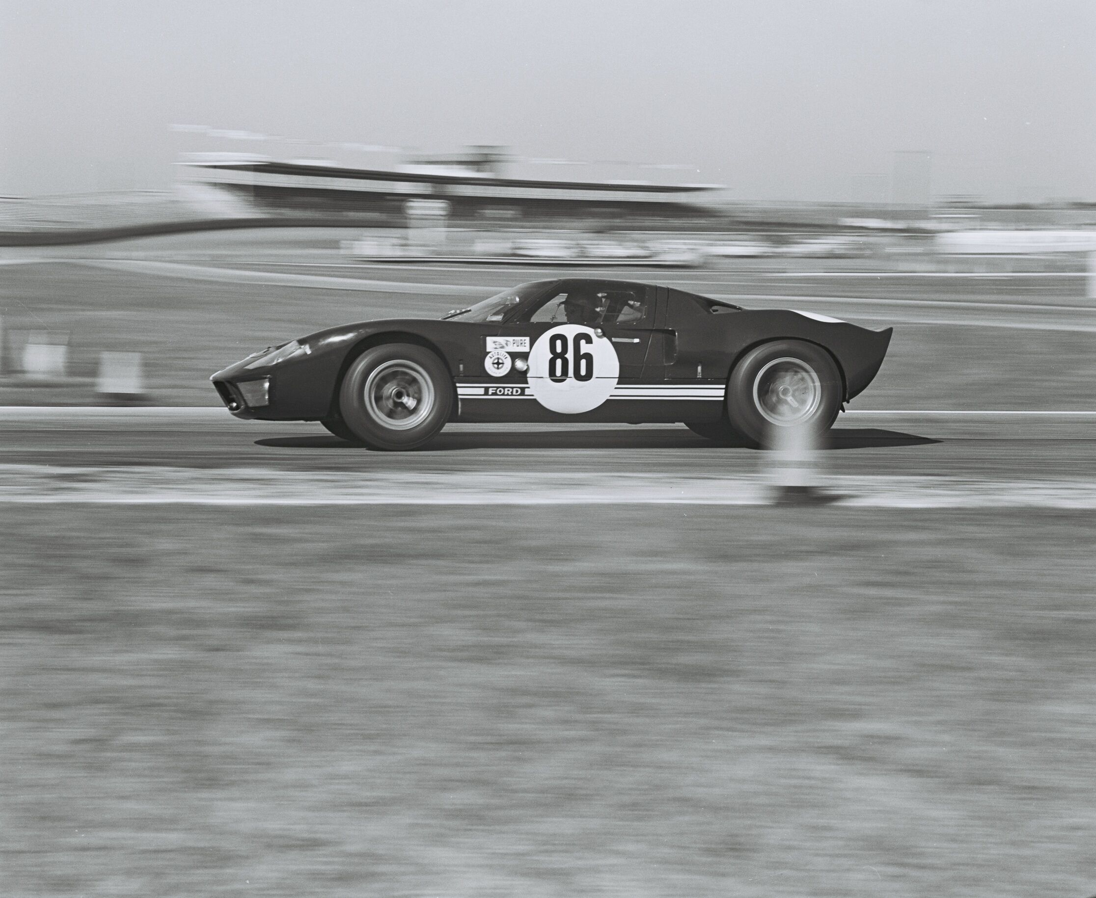 1964 Ford GT40 Prototype GT/105 vintage racing Daytona 1966