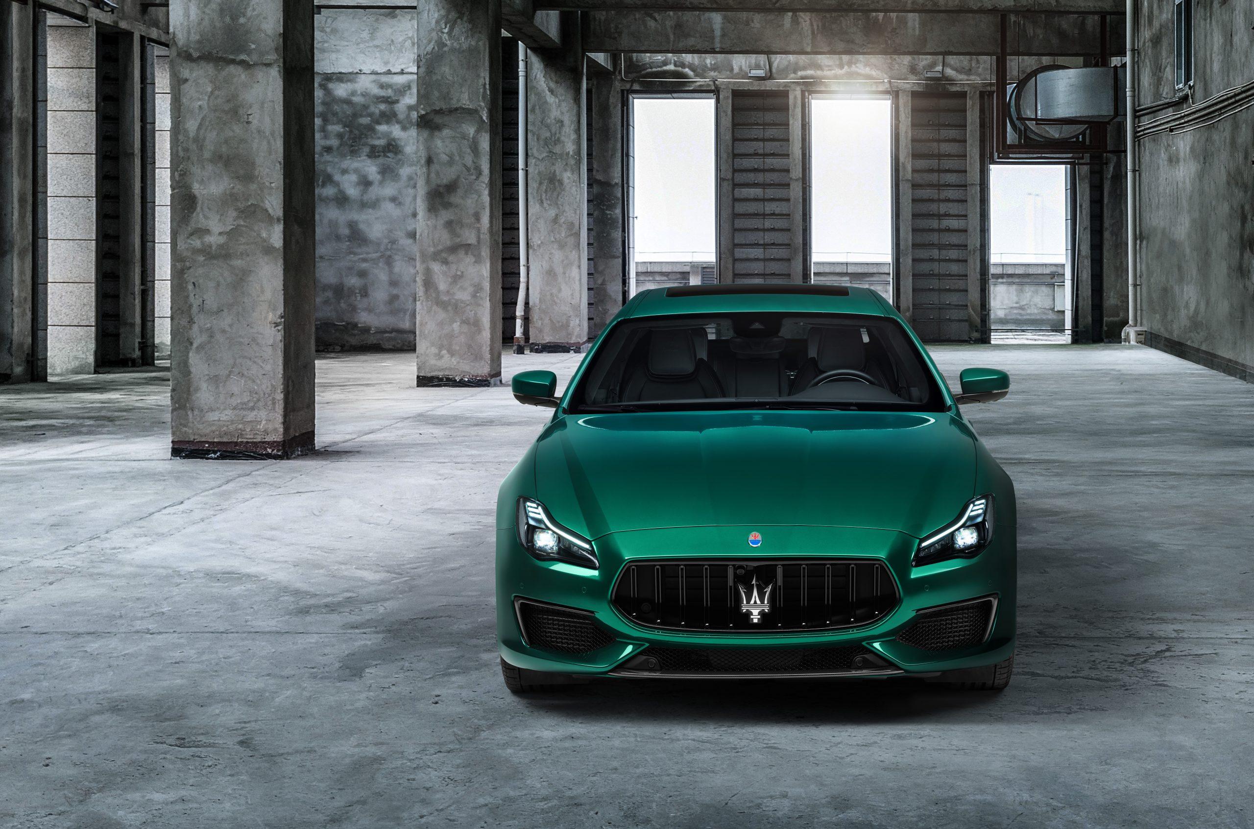 green trofeo quattroporte front