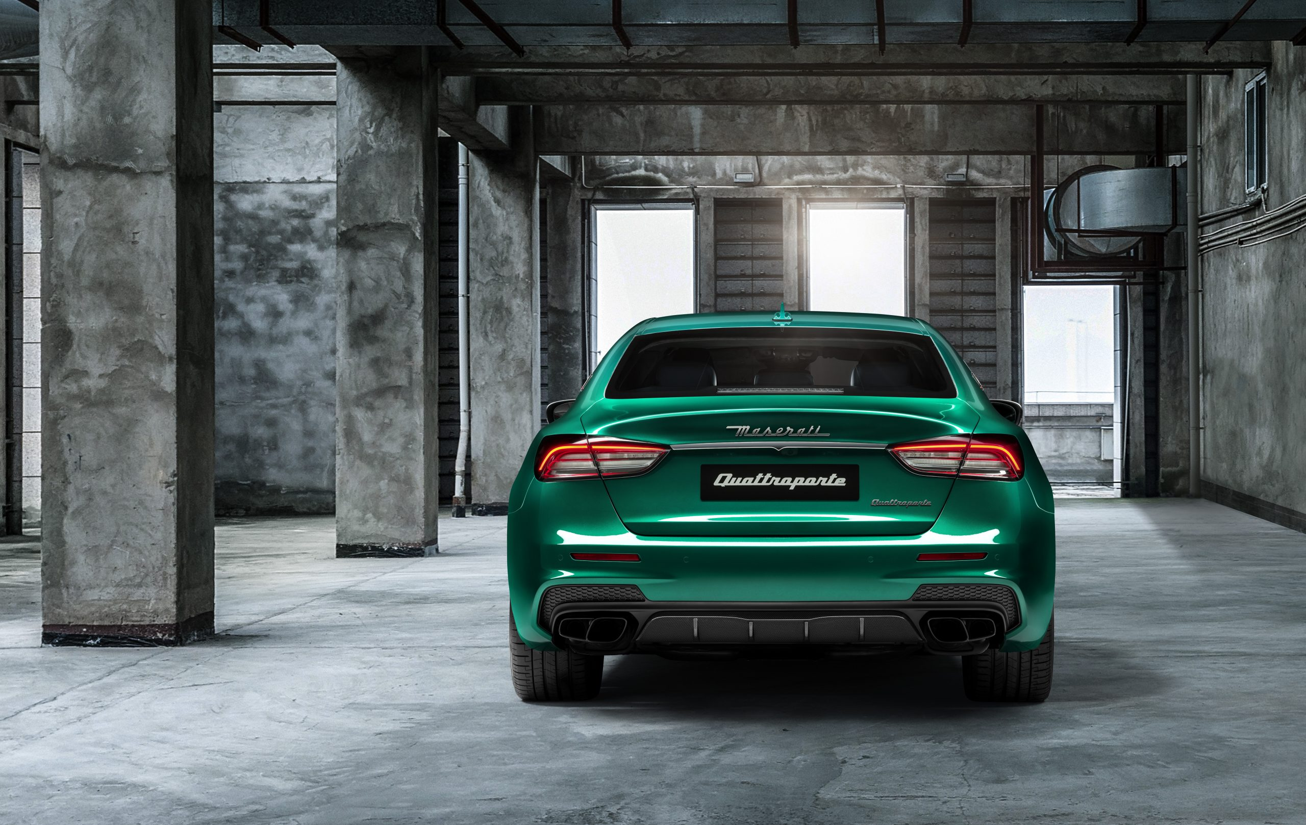 green trofeo quattroporte rear