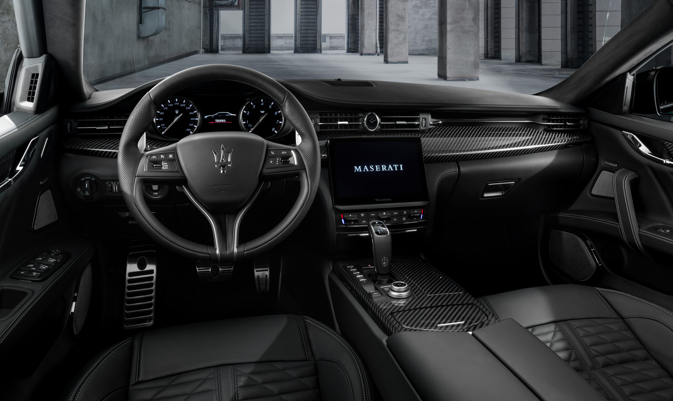 trofeo quattroporte black leather interior