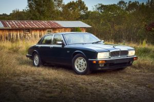 Jaguar XJ6 front three-quarter