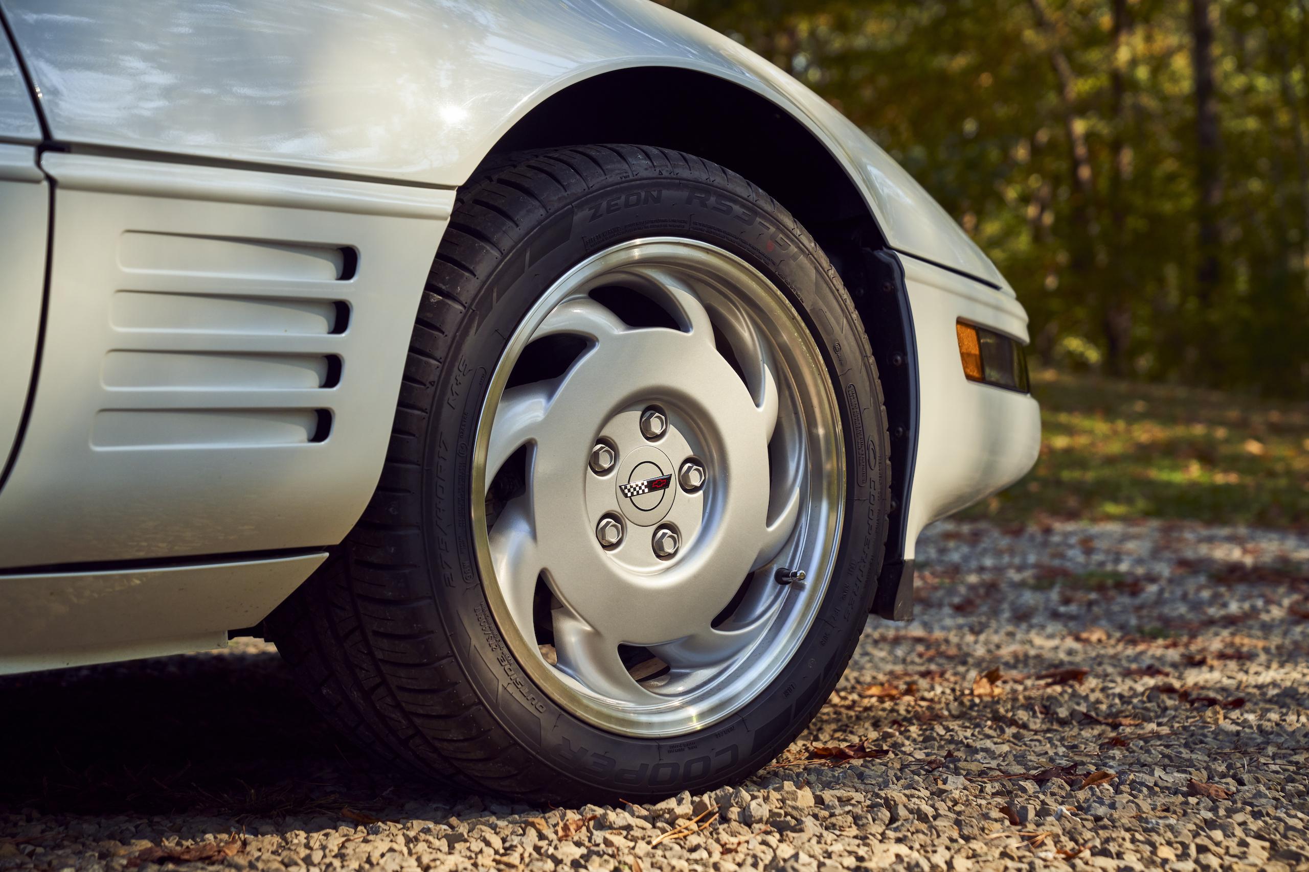 C4 Chevrolet Corvette front wheel