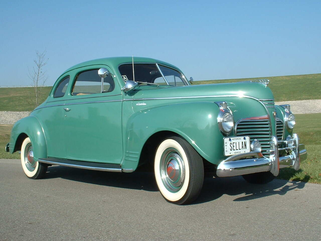1941 Plymouth Special Deluxe front three-quarter