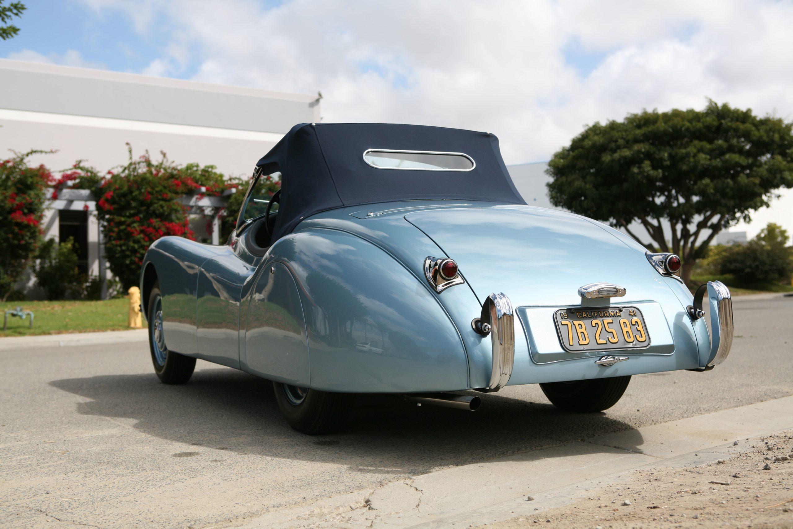 1950-Jaguar-XK120-Roadster rear