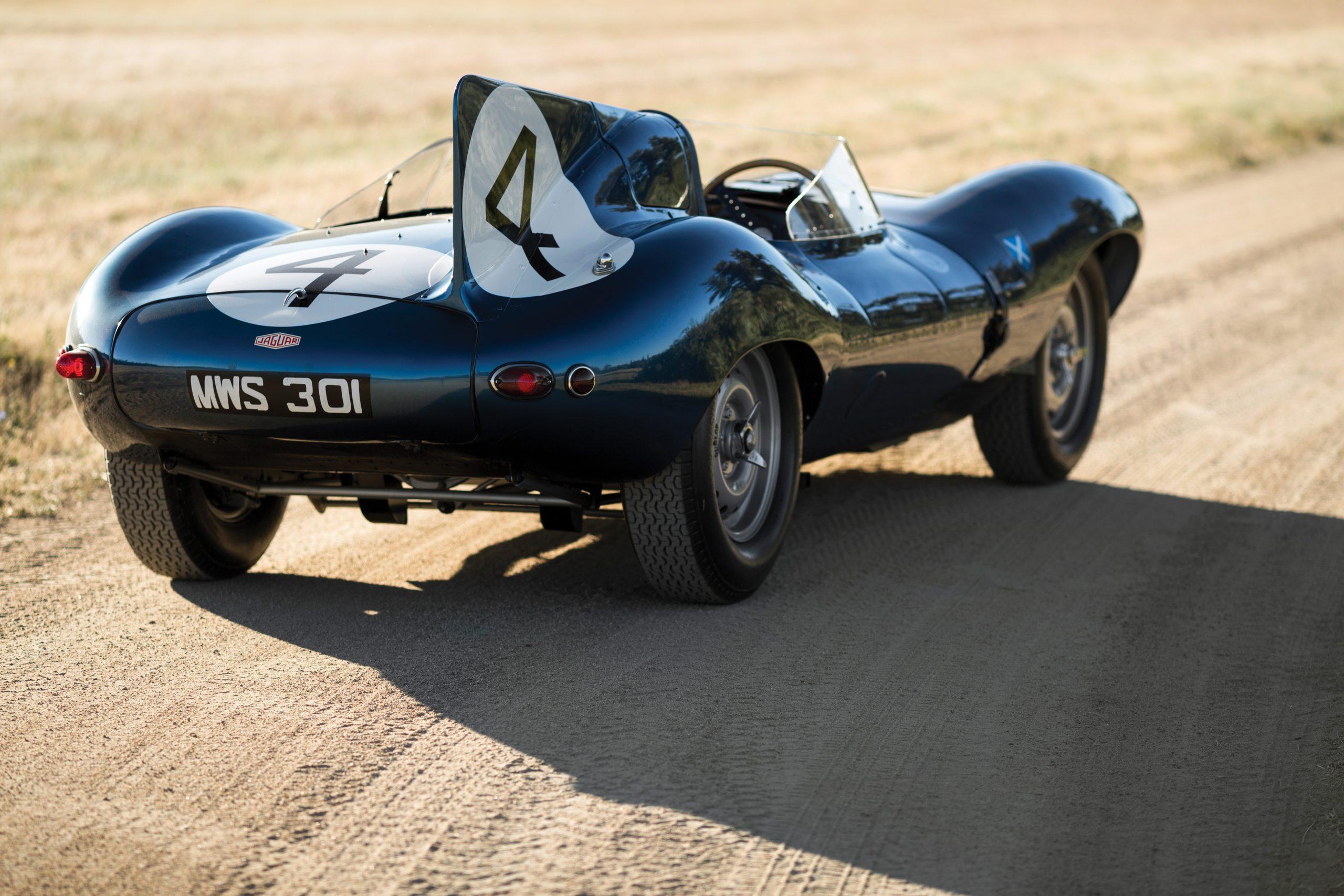 1955-Jaguar-D-Type rear