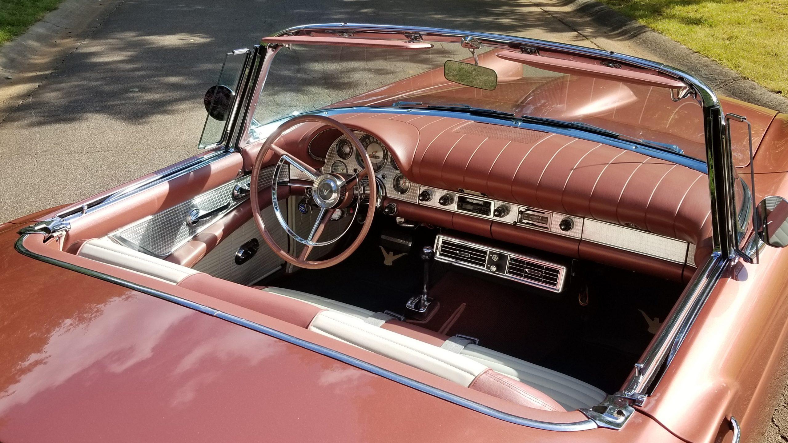 1957-Ford-Thunderbird interior