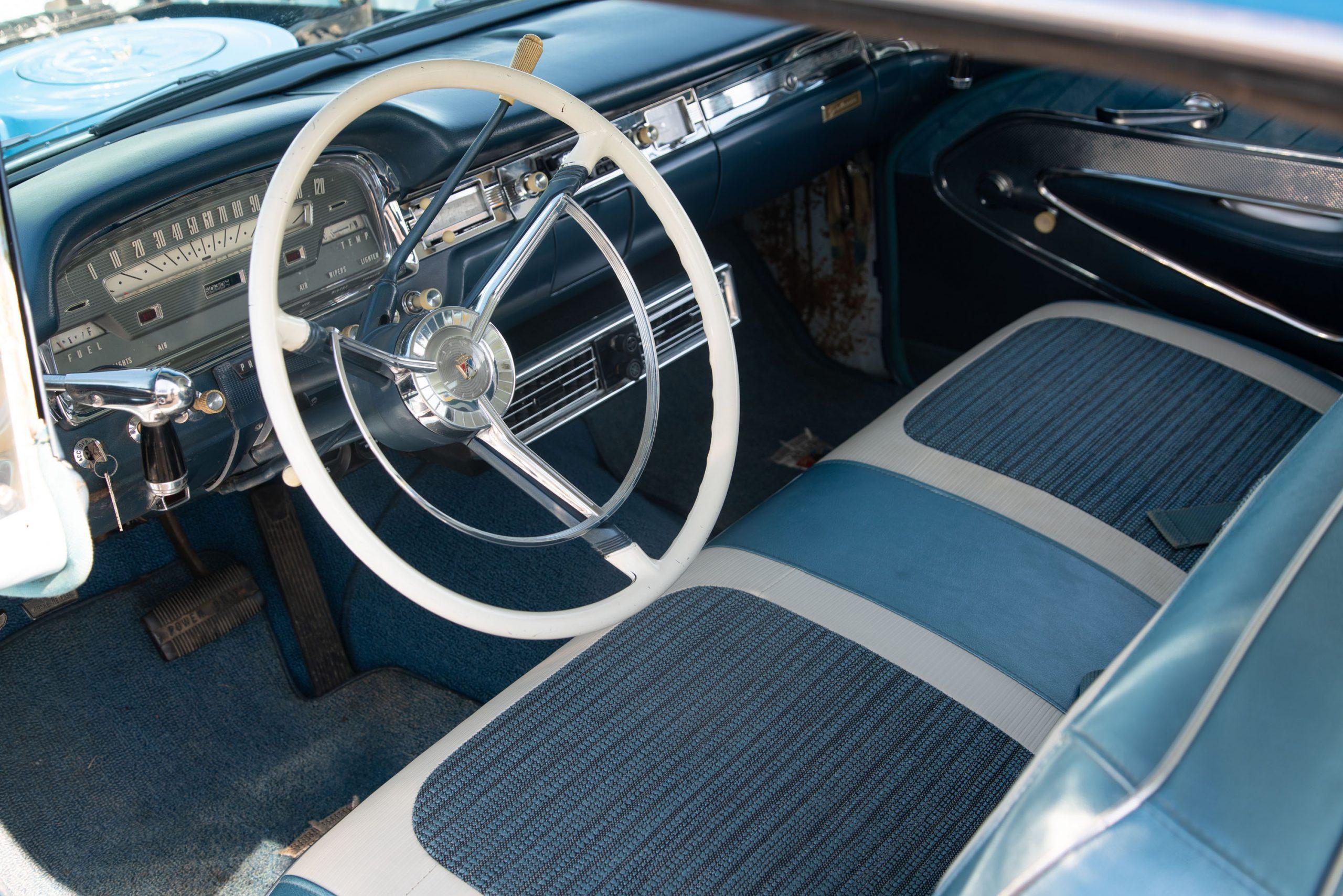 1959-Ford-Fairlane-500-Galaxie-Skyliner-interior