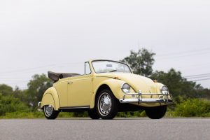 1965 Volkswagen Beetle Bug Cabriolet front three-quarter
