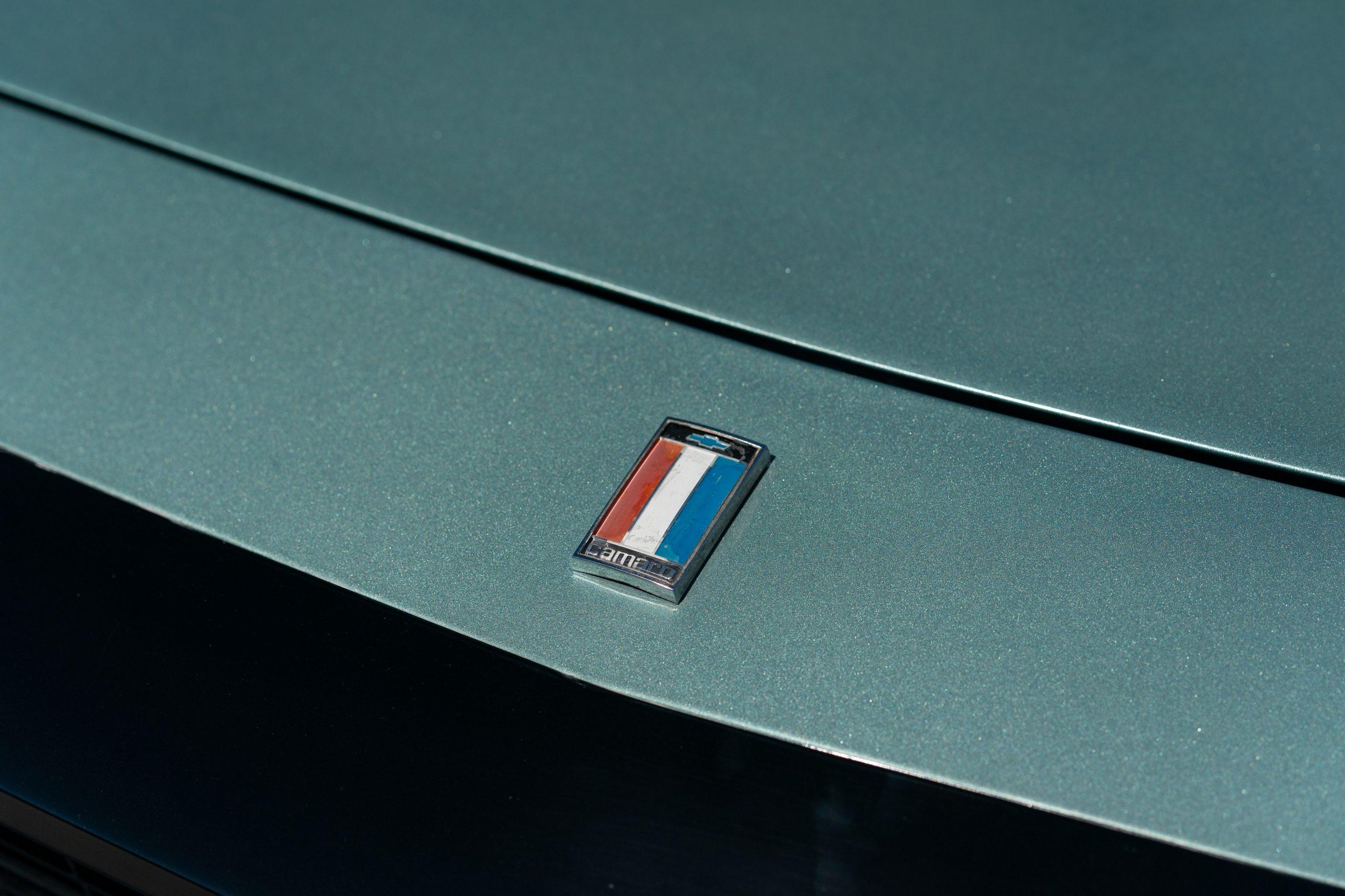 Europo Hurst camaro front badge