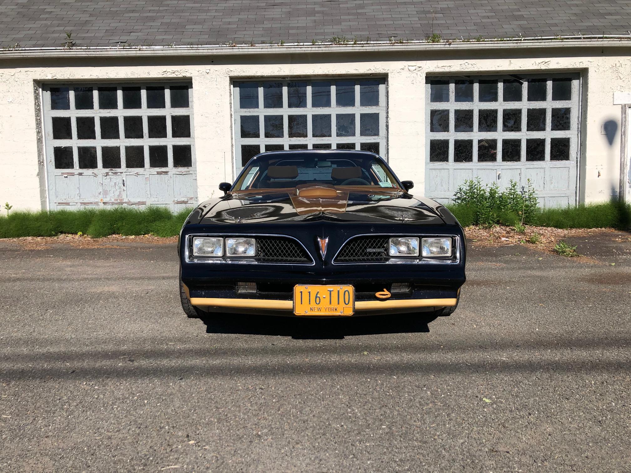 1978 Pontiac DKM Macho Trans Am front