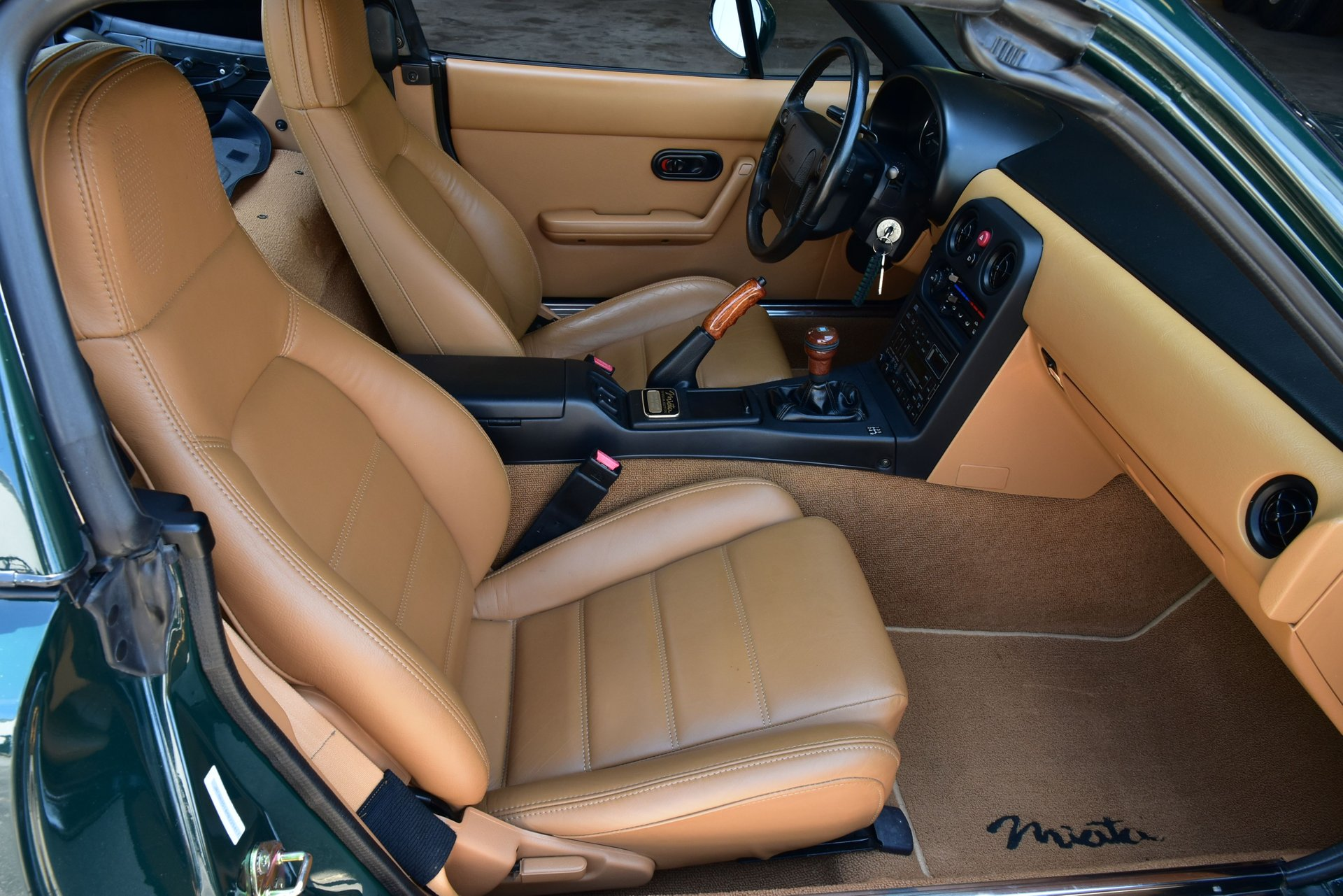 1991 Mazda Miata Special Edition interior front