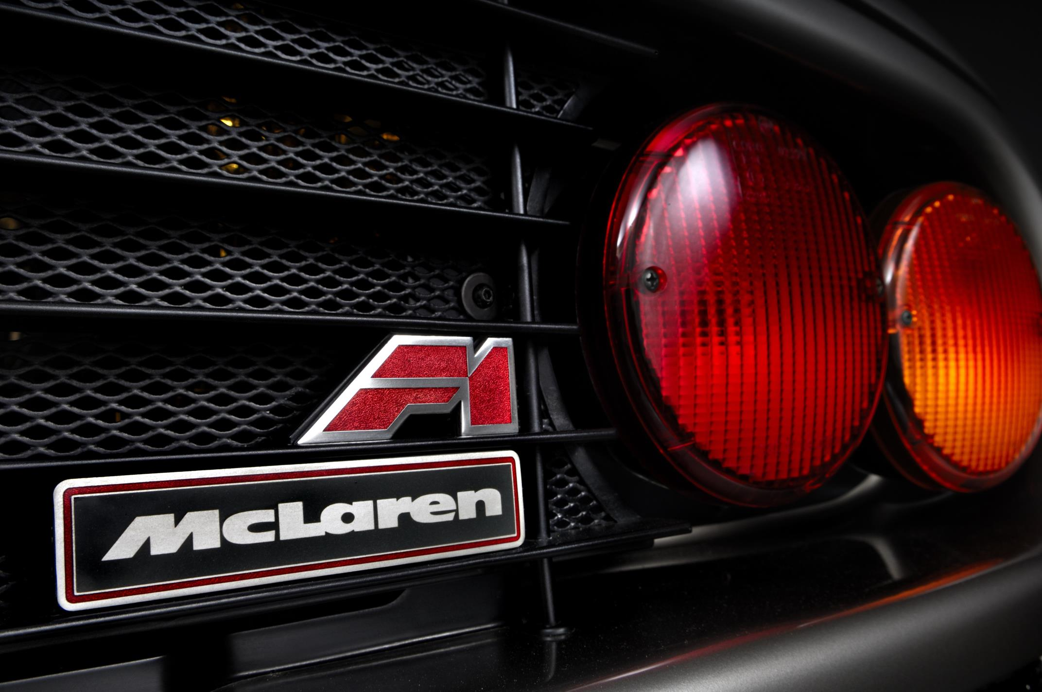 McLaren F1 rear badging and taillights