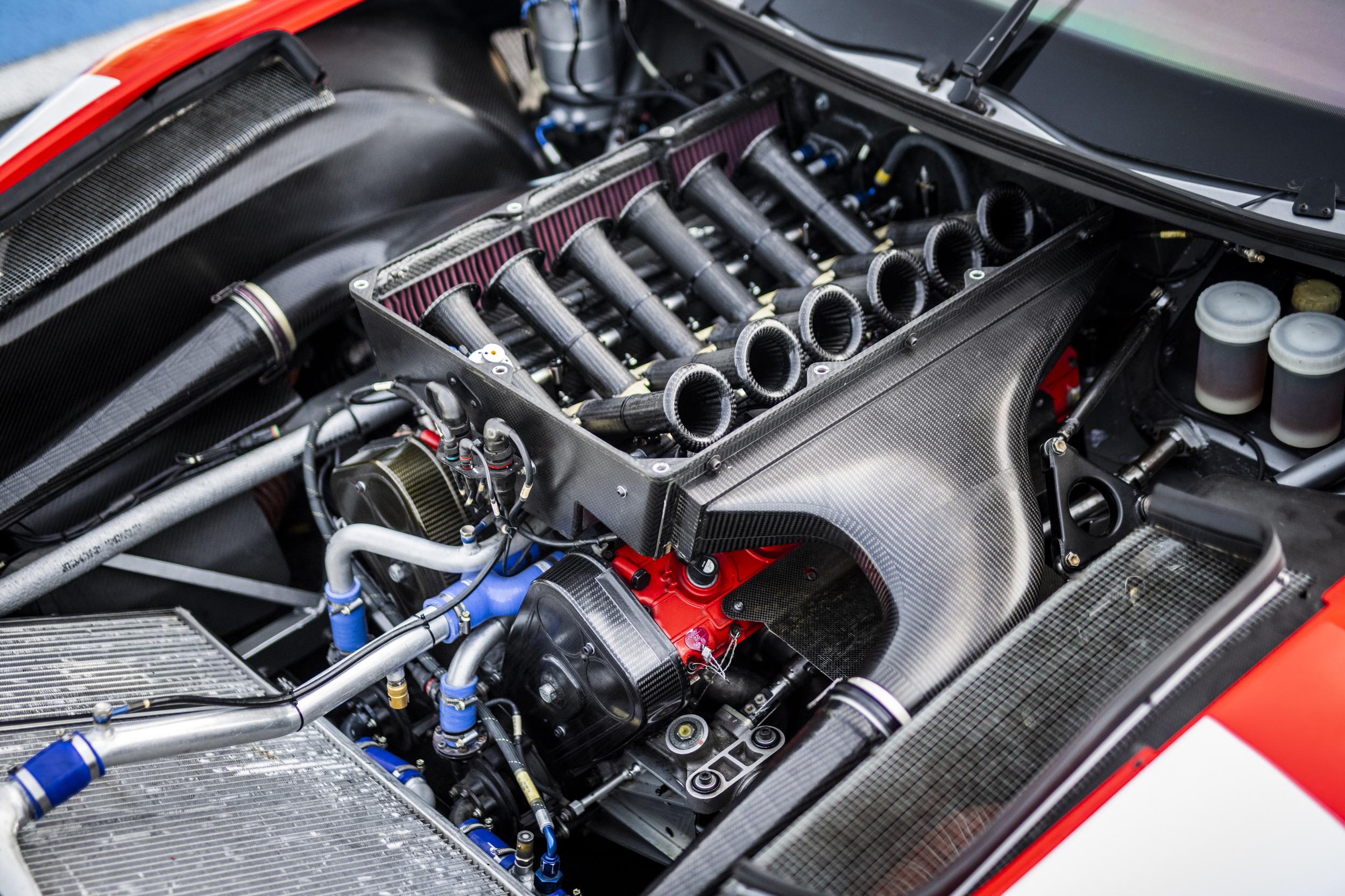 2001 Ferrari 550 GT1 Prodrive engine carbon fiber close up