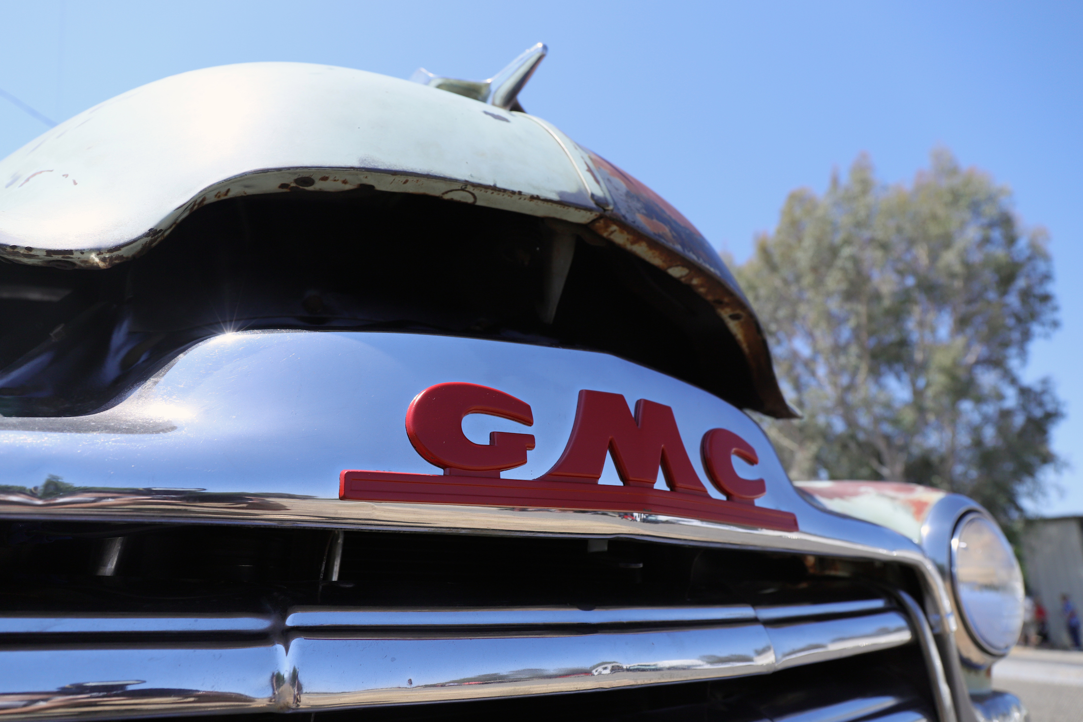 1953 GMC 100 Panel Truck Ugly grille retro