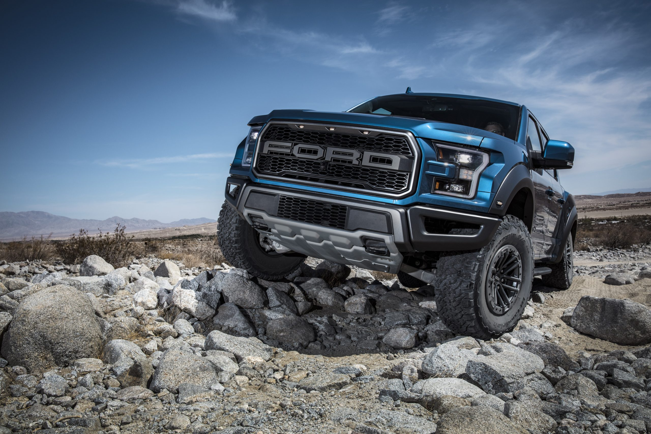 2019 Ford Raptor front three quarter