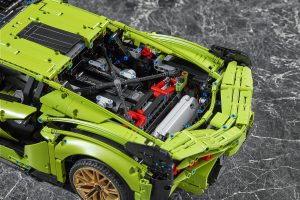 Engine detail of LEGO Technic Lamborghini Sián FKP 37