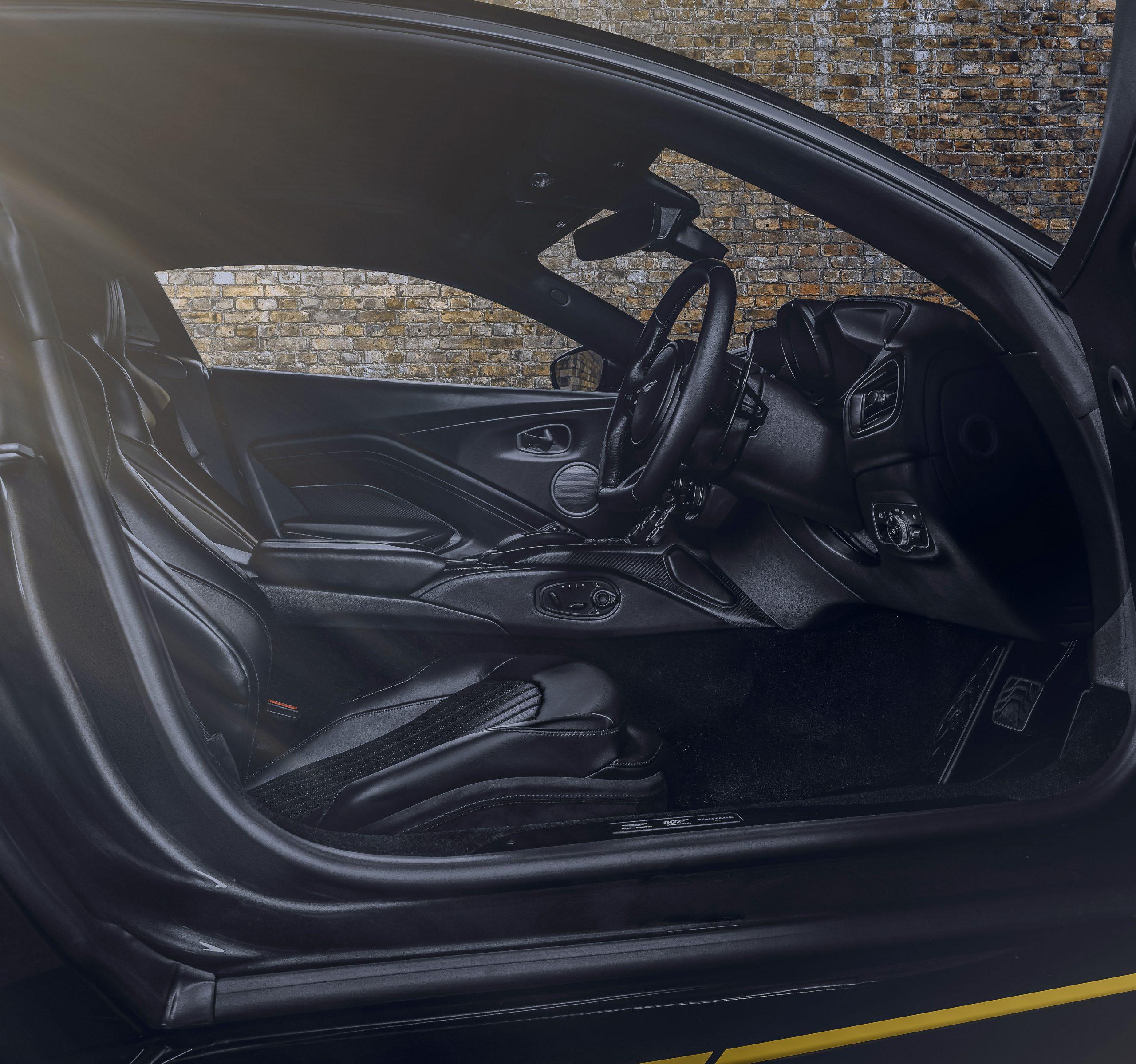 Aston Martin Vantage 007 Edition interior side