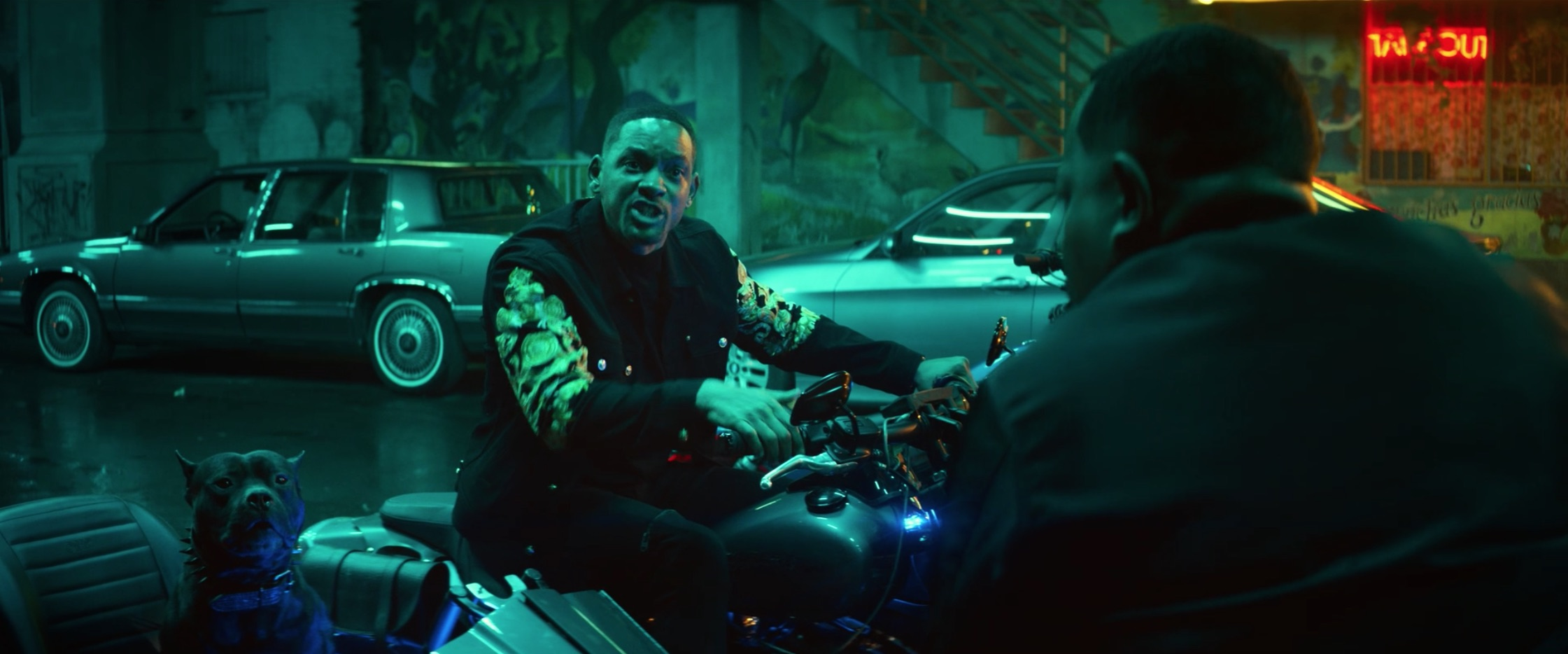 Bad Boys For Life will smith on motorcycle talking to martin lawrence