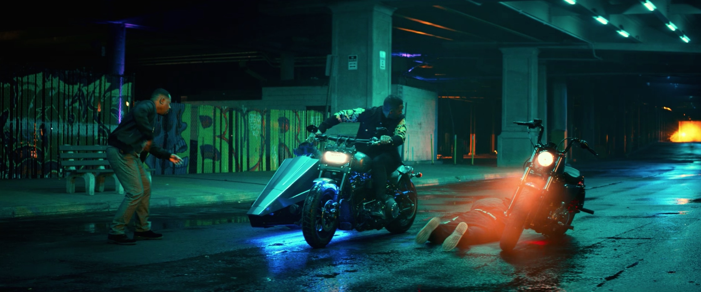 Bad Boys For Life will smith and martin lawrence look at rider on street