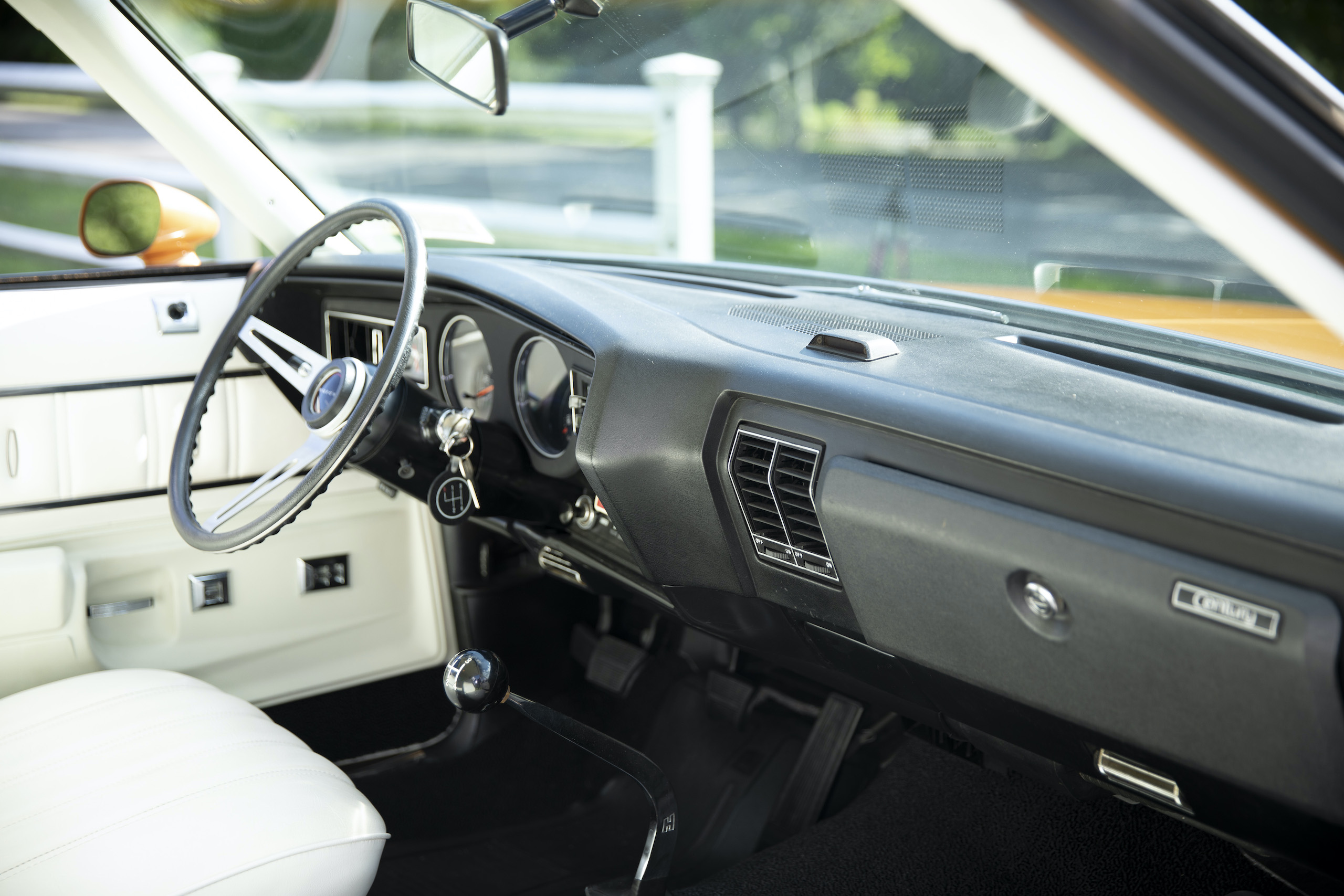 1973 Buick GS Stage 1 gran sport coupe front interior