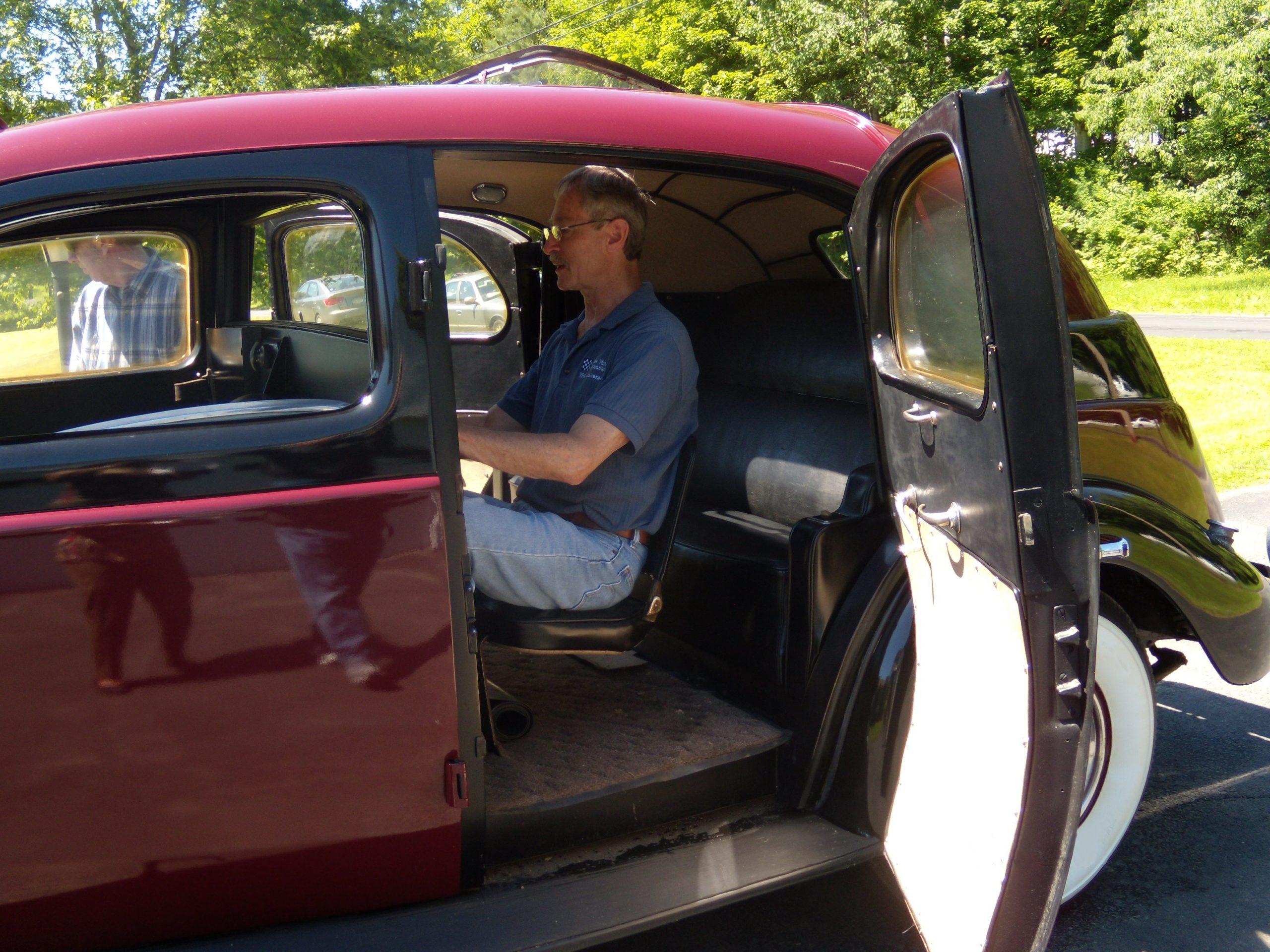 art deco checker cab interior jump seat