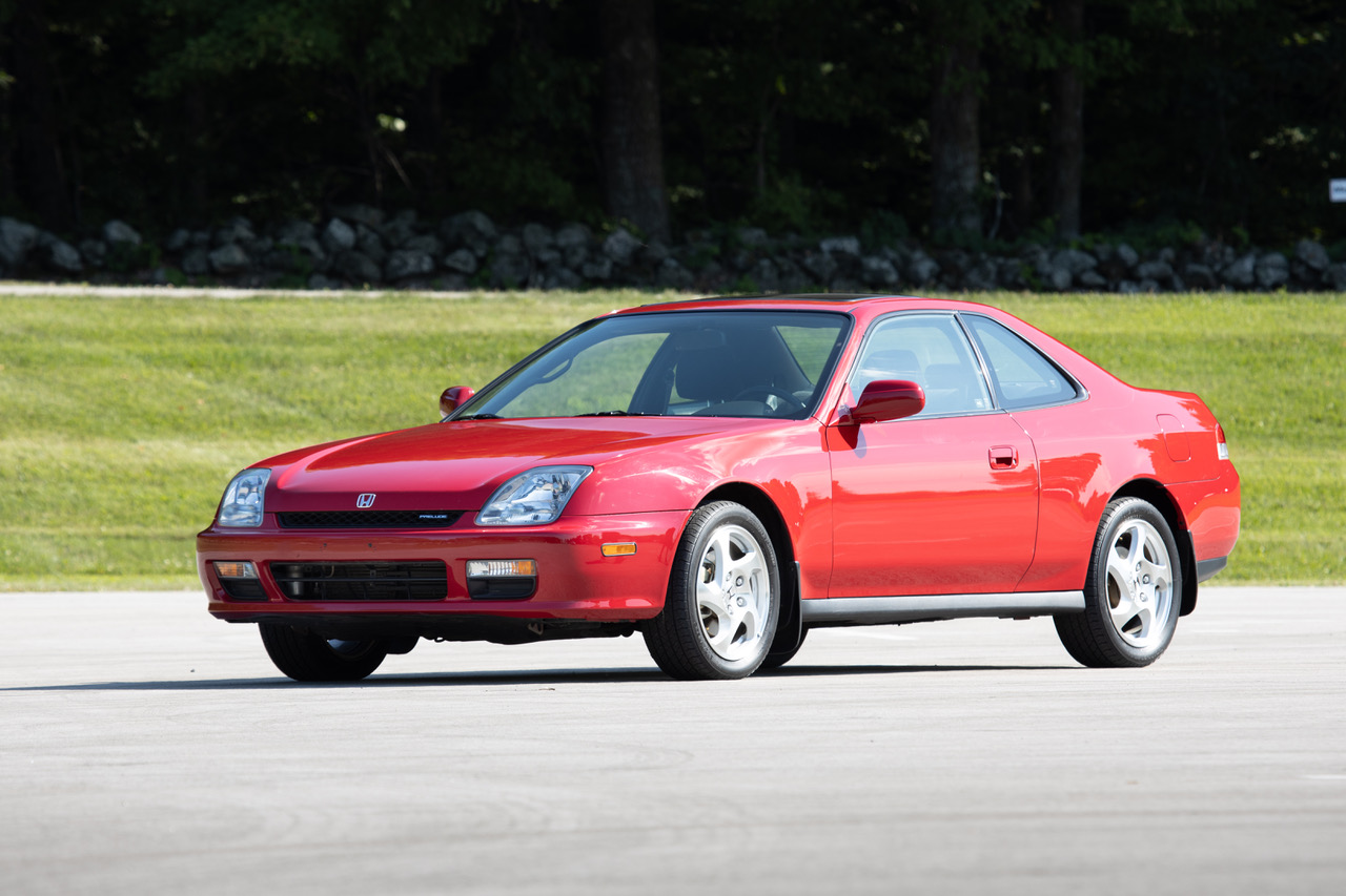 5th gen honda prelude front three-quarter