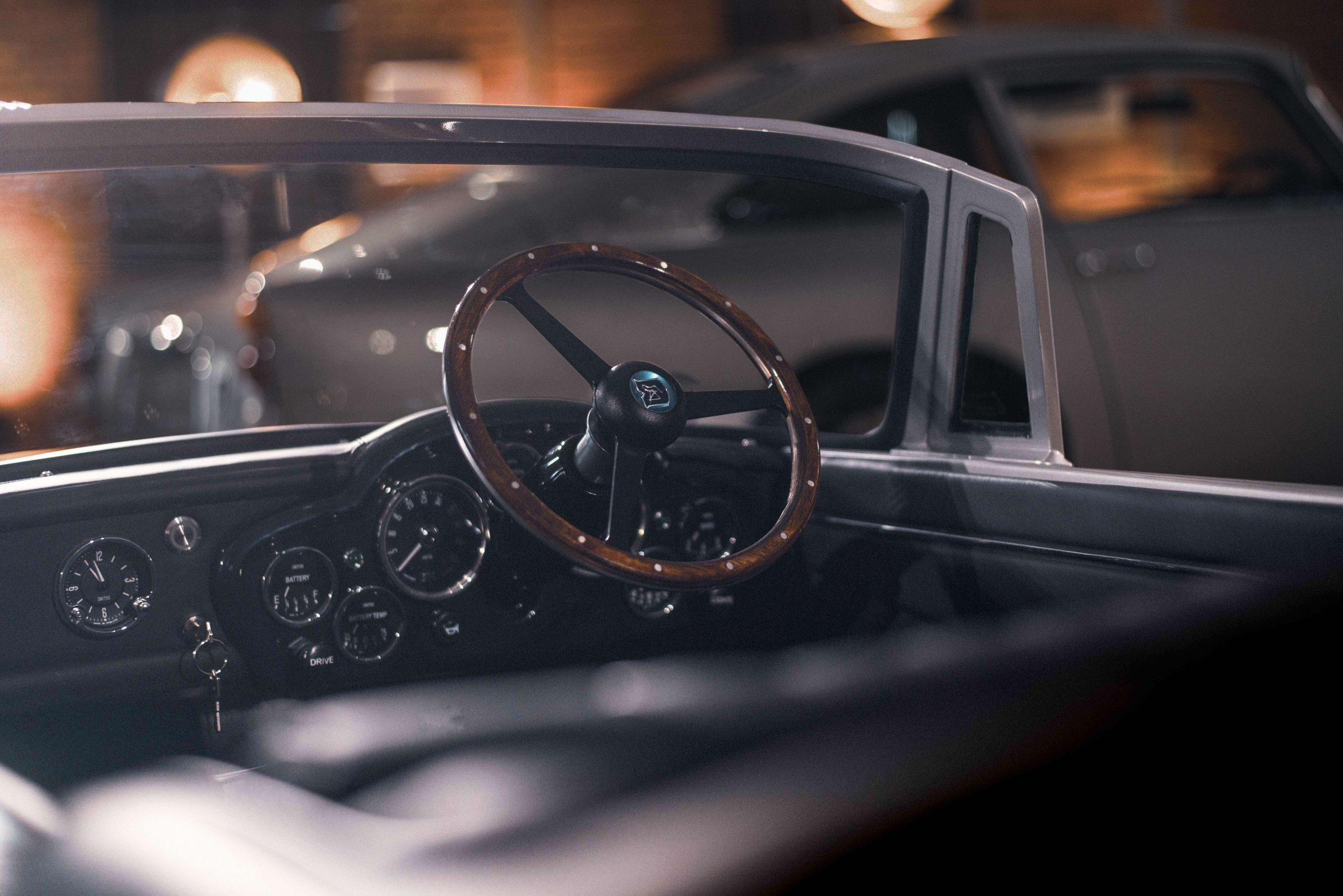 Aston Martin DB5 Junior Hero dash detail
