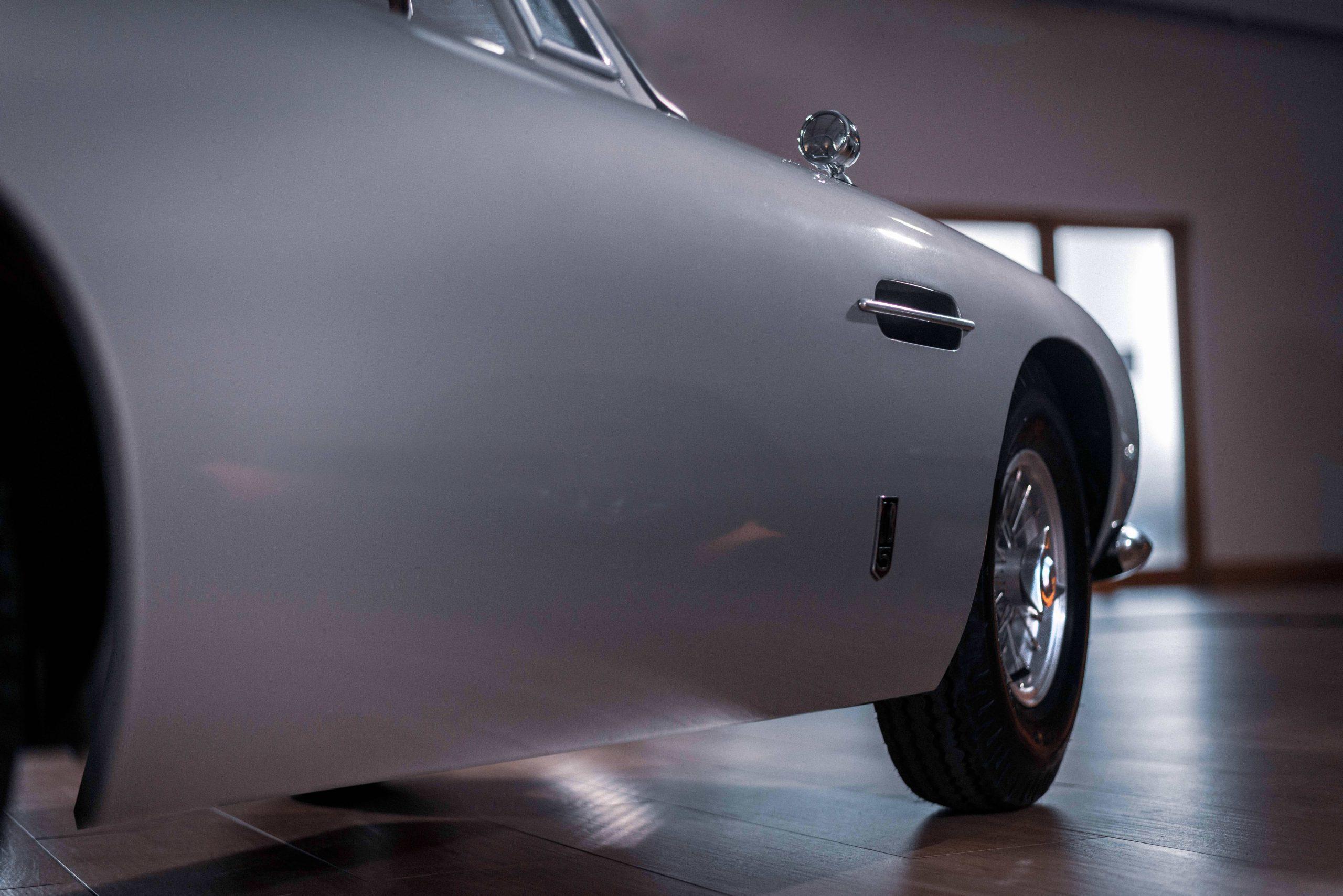 Aston Martin DB5 Junior Hero side detail