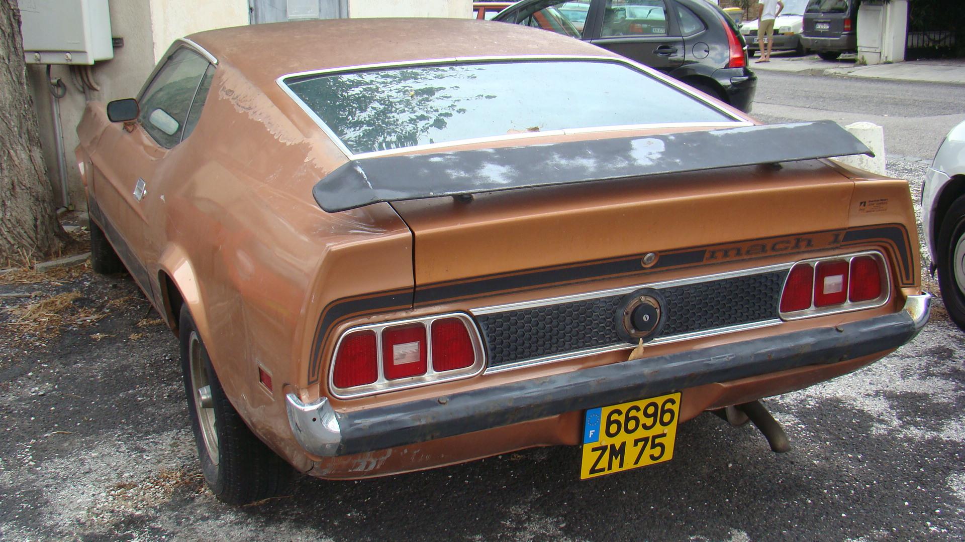 1973 Ford Mustang Mach 1 rear pre restoration France