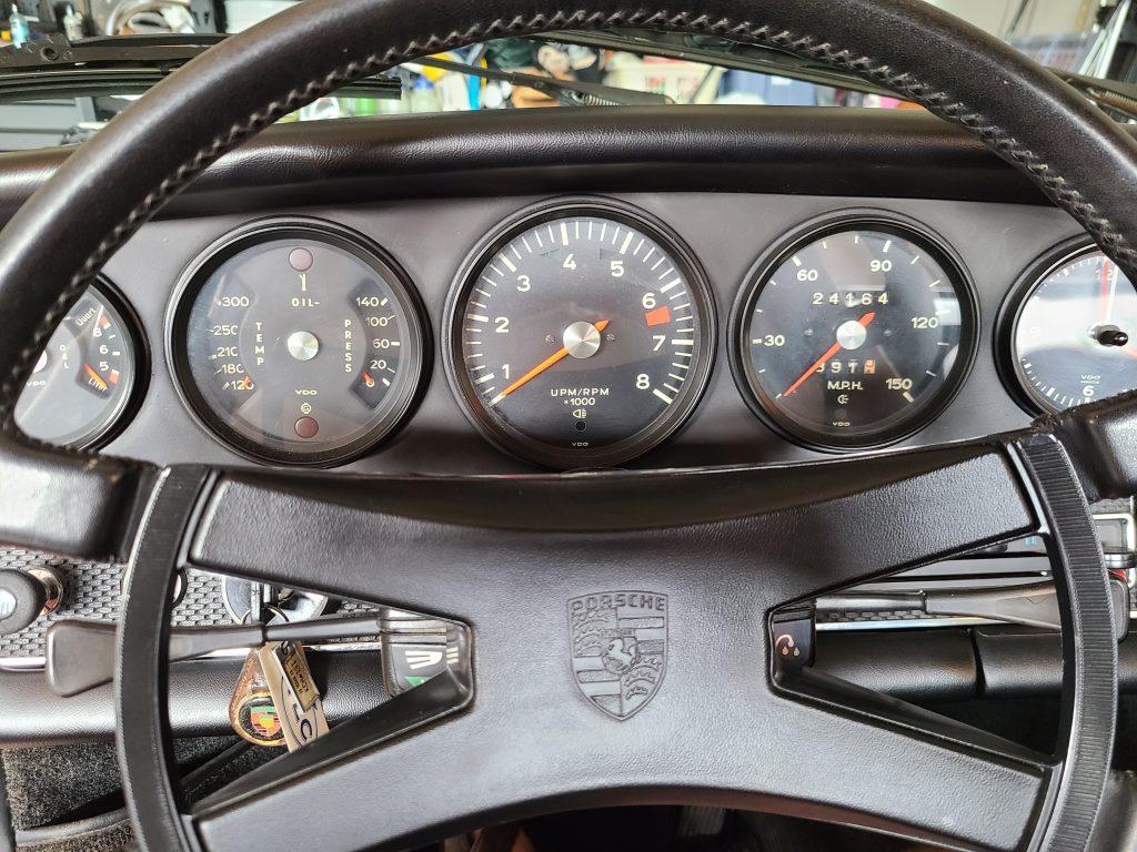 1971 Porsche 911 T dash instrument steering wheel