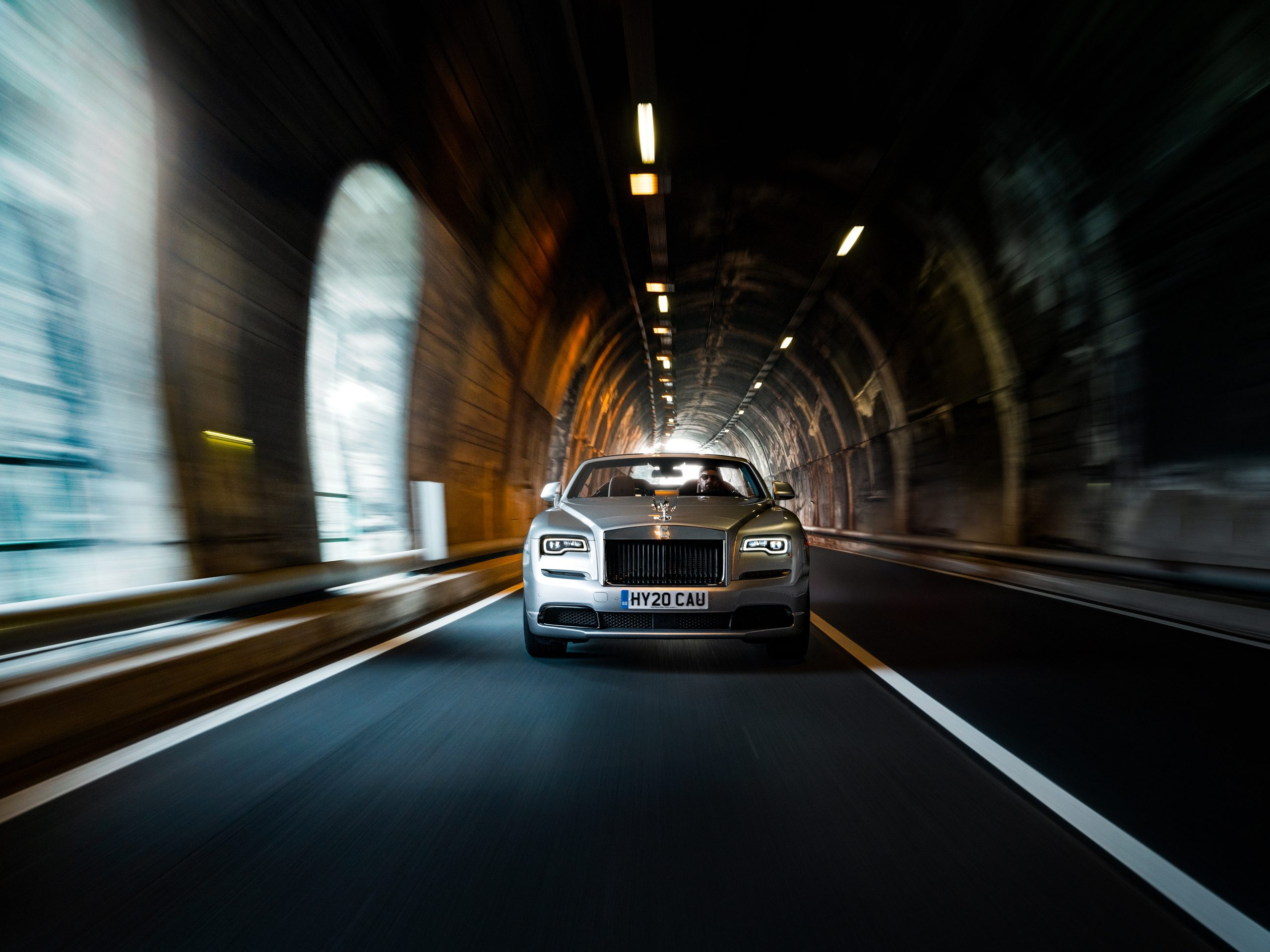 Rolls-Royce Dawn Silver Bullet Exterior front dynamic tunnel action