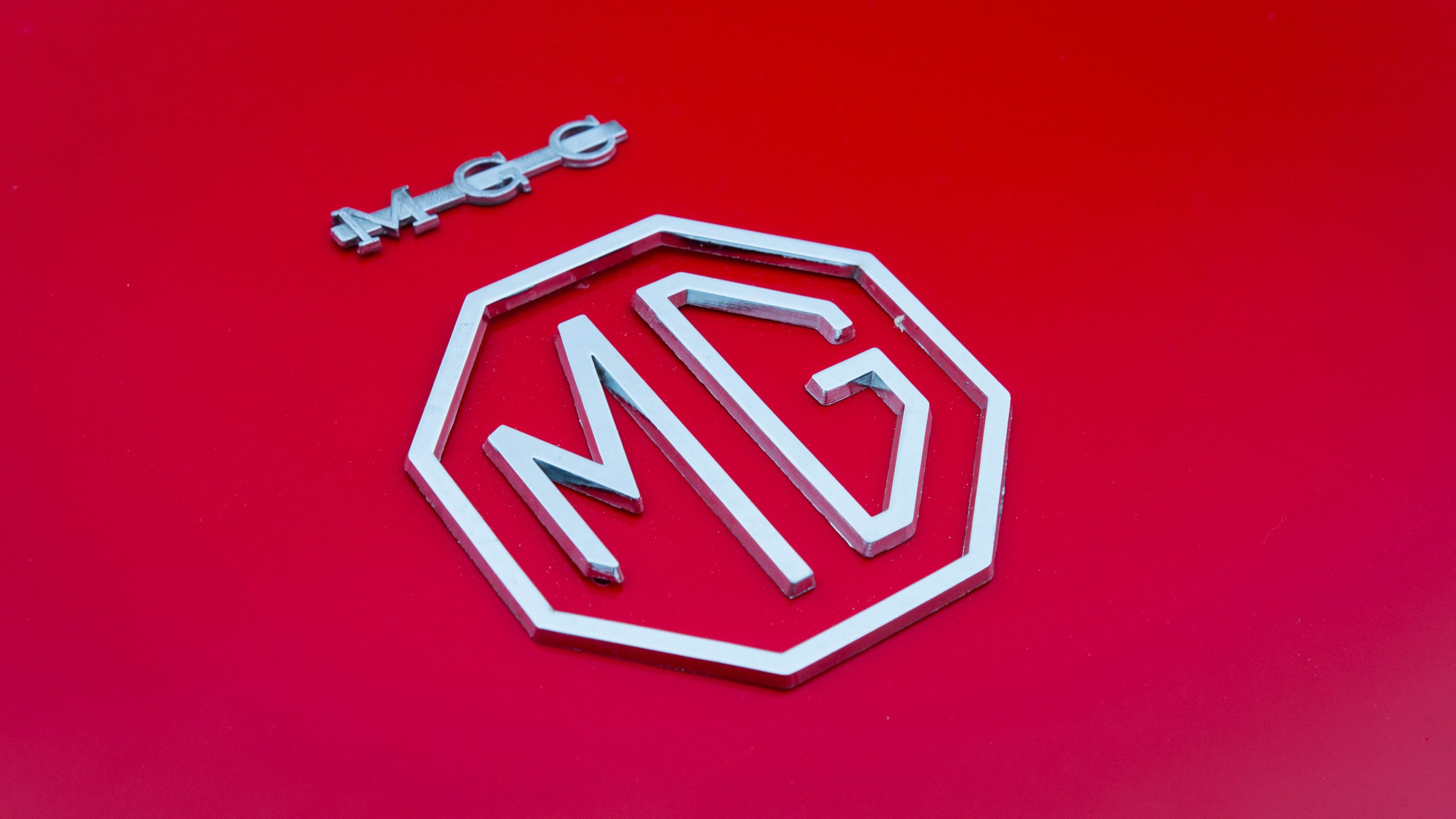 1969 MG MGC badge detail