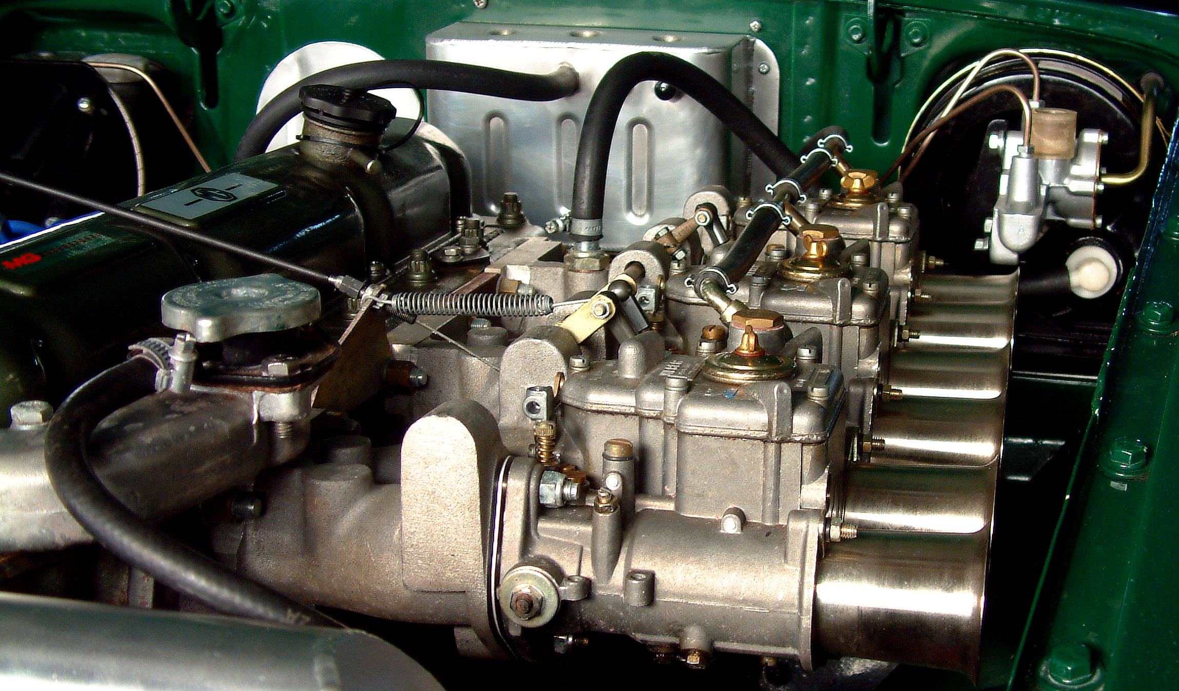 MGC-GT straight six engine