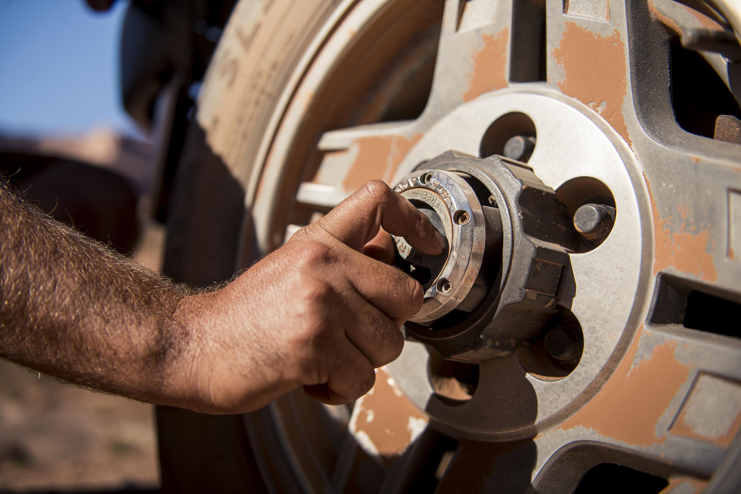toyota 4runner locking hub closeup
