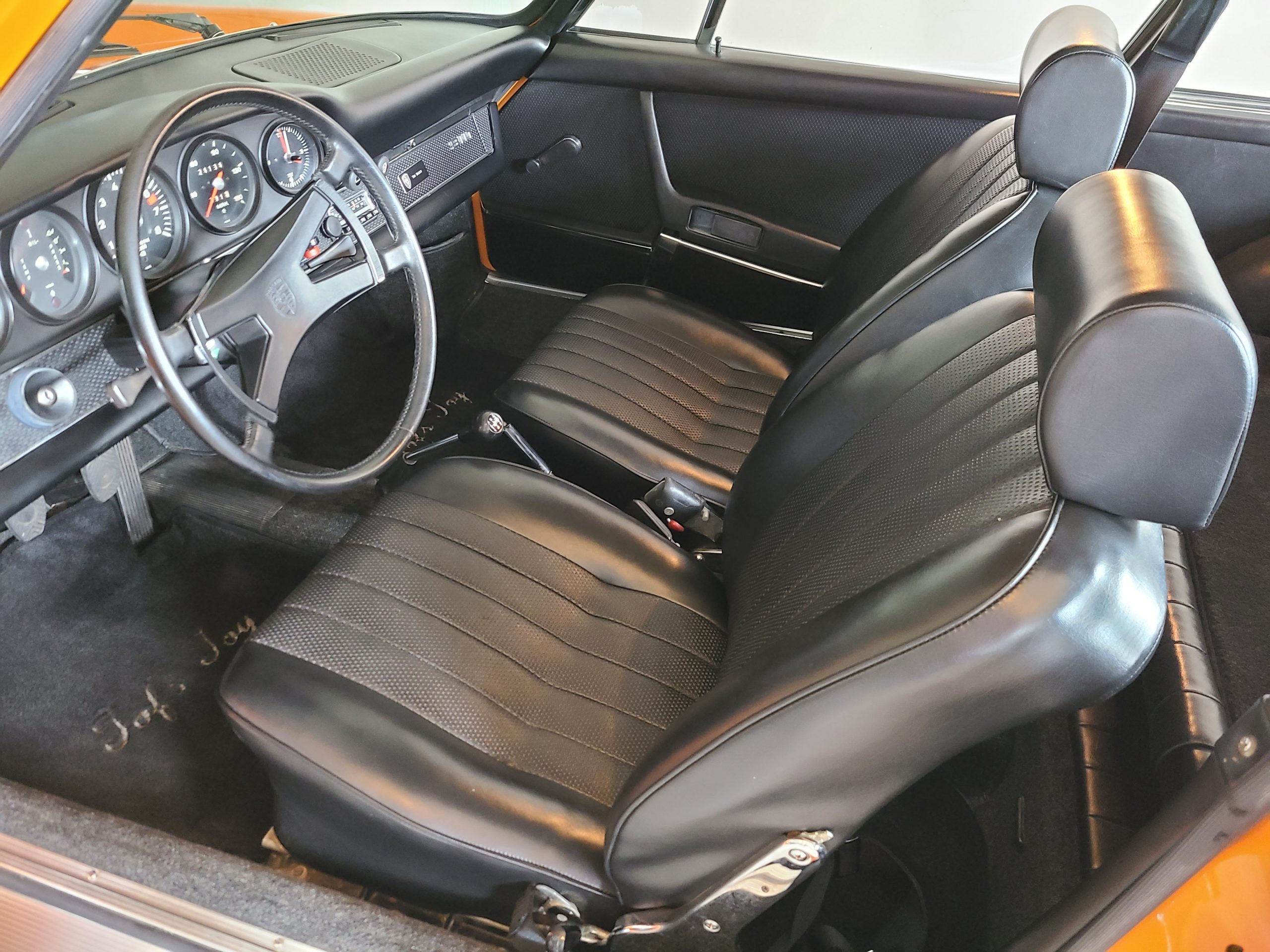 1971 Porsche 911 T interior