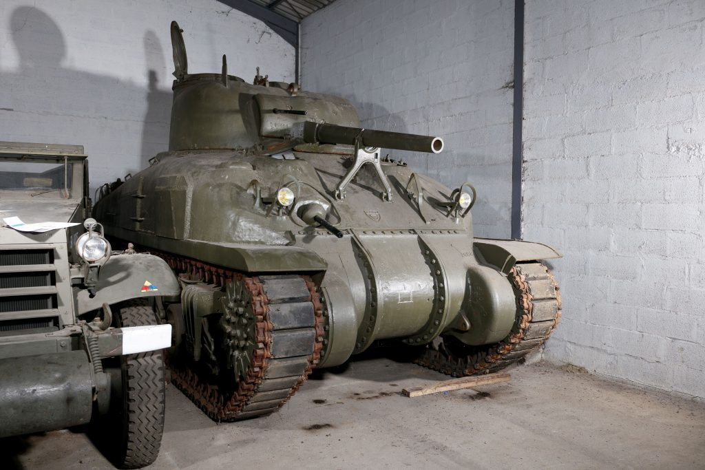 1943 Ford Sherman M4A1 Grizzly front three-quarter