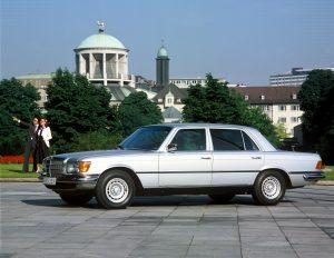 Mercedes-Benz 450 SEL 6.9 v8 side profile
