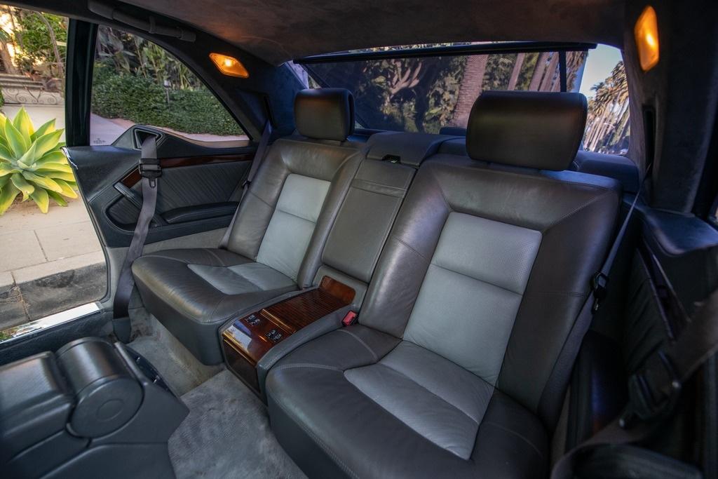 Michael Jordan - 1996 Mercedes S-Class S600 interior rear