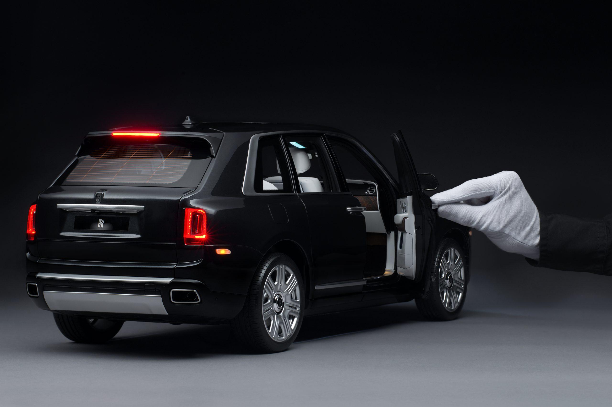 Rolls-Royce Cullinan model 4