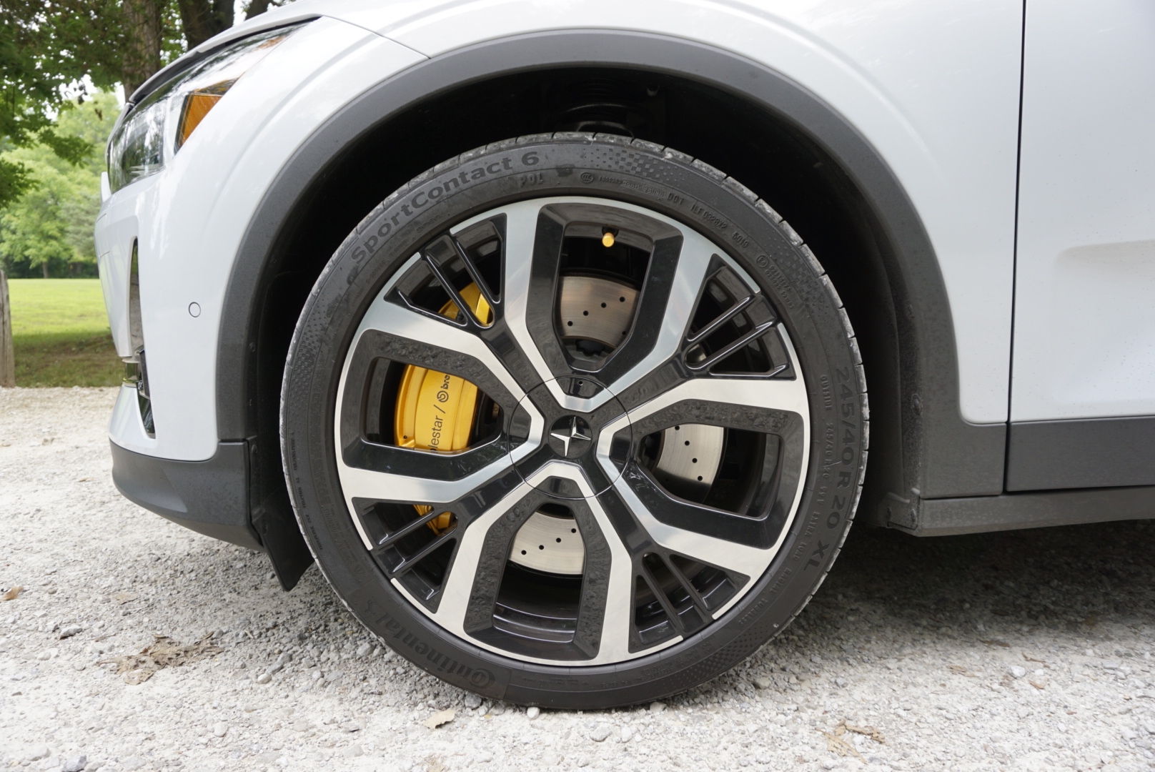 Polestar 2 front wheel brake and tire