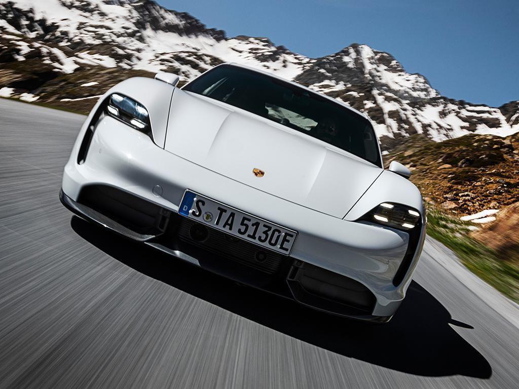 Porsche Taycan 2021-3