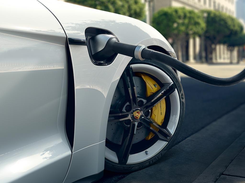 Porsche Taycan 2021-7